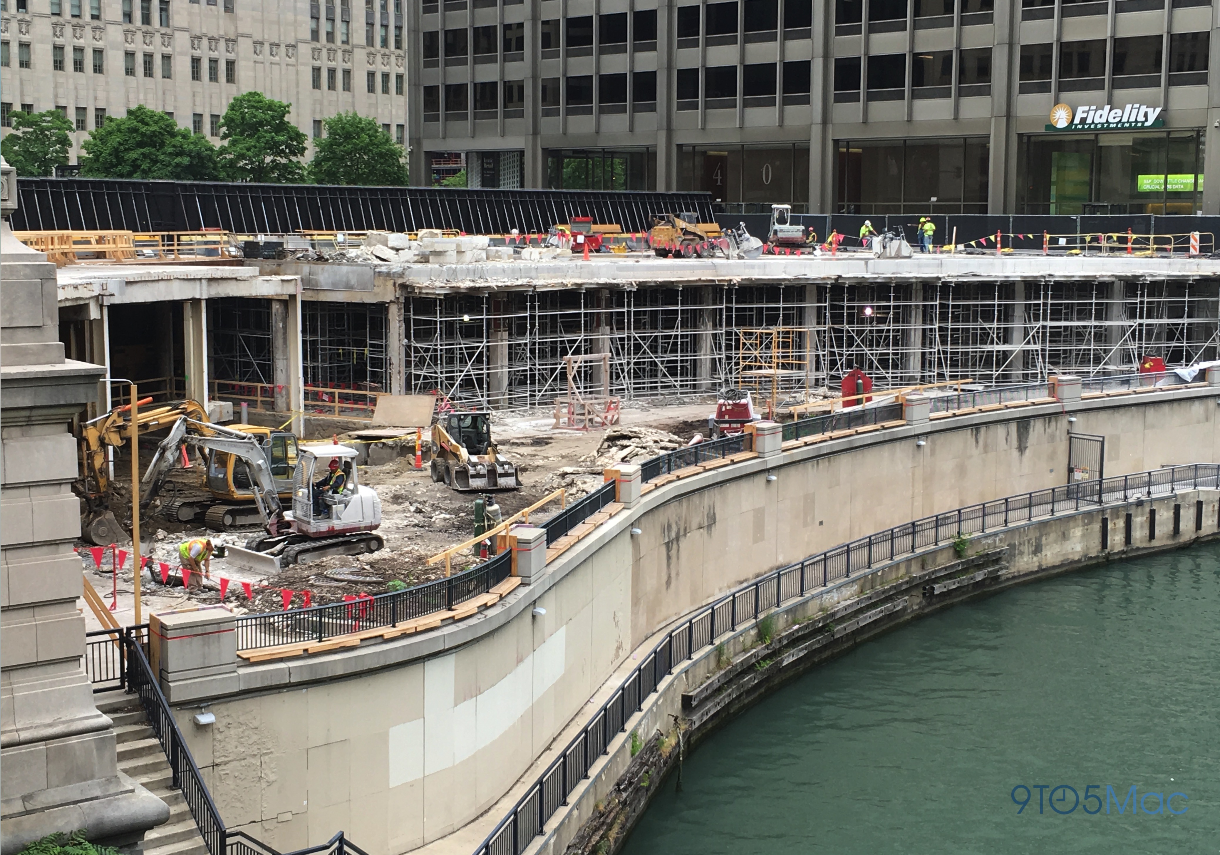 chicago-river-apple-store-05
