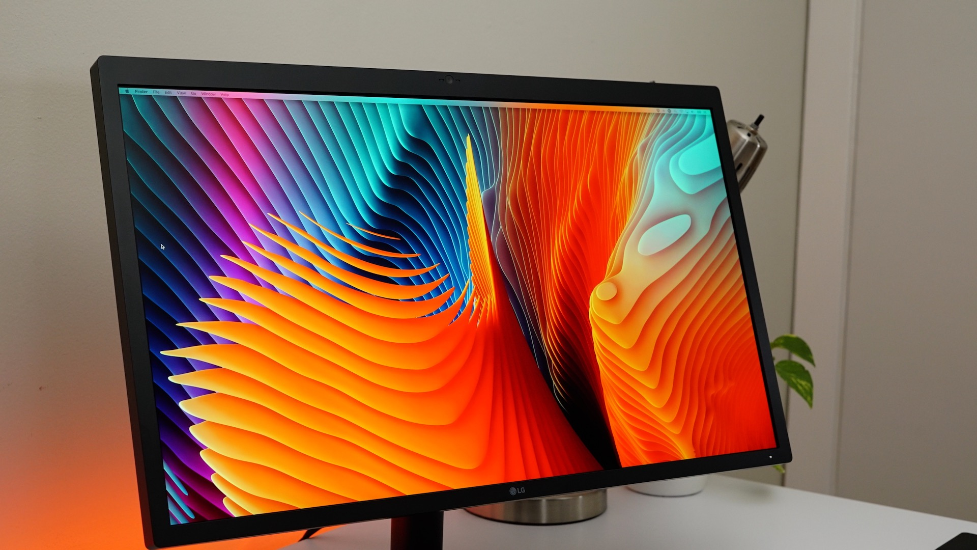 lg-ultrafine-5k-display-screen-brightness-500-nits