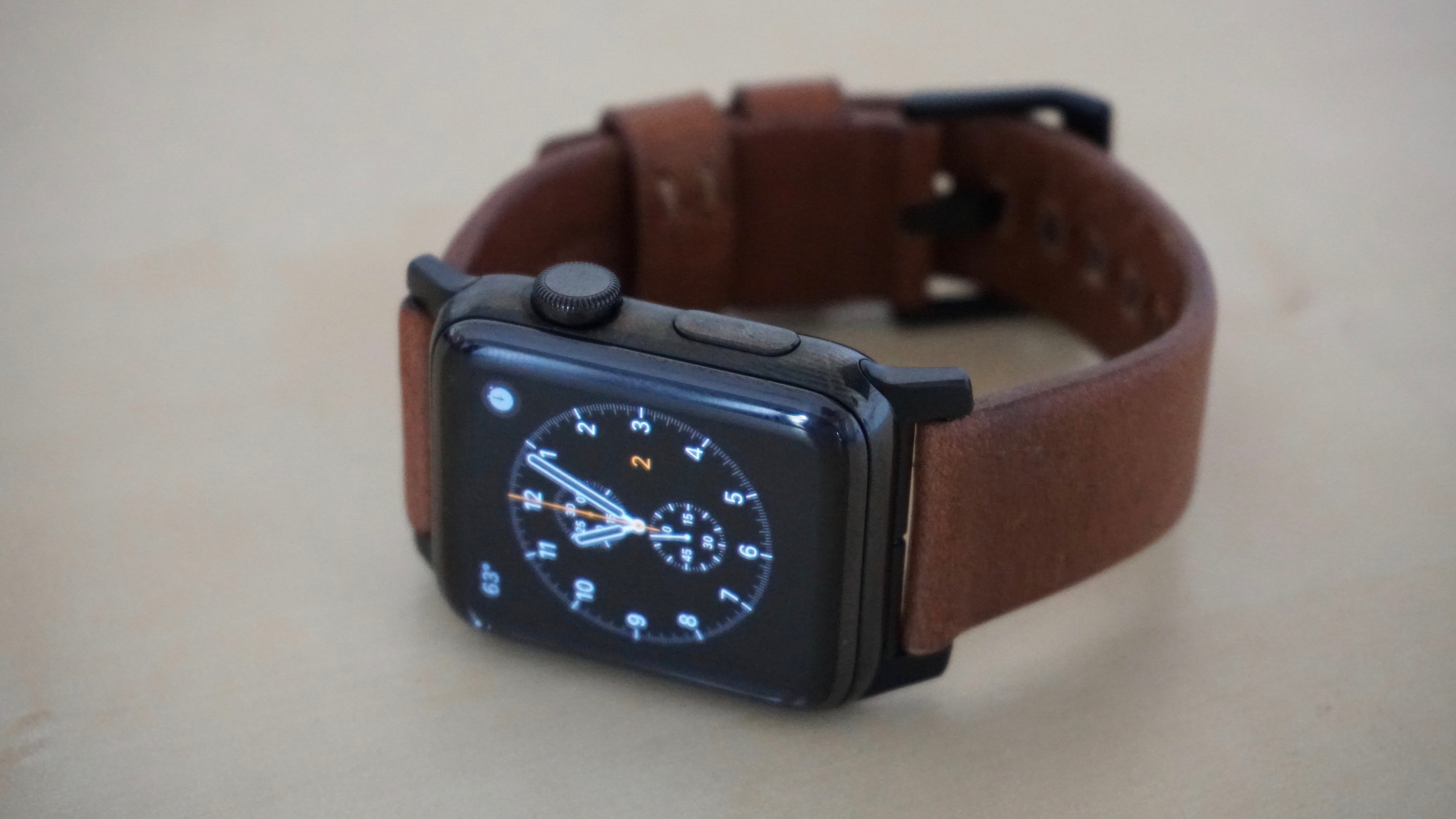 nomad-strap-for-apple-watch-2