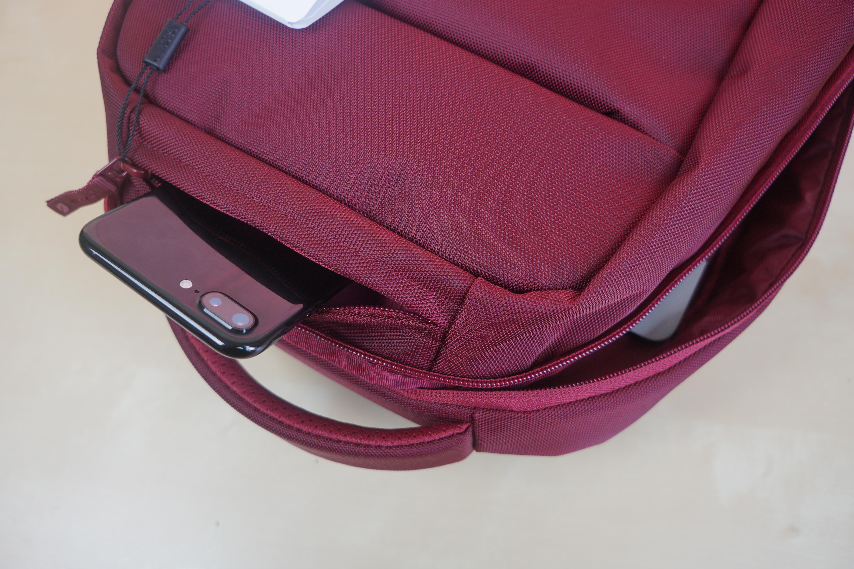 incase-icon-lite-macbook-backpack-2