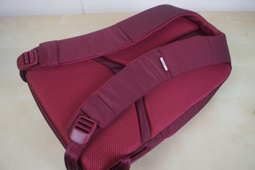 incase-icon-lite-macbook-backpack-4