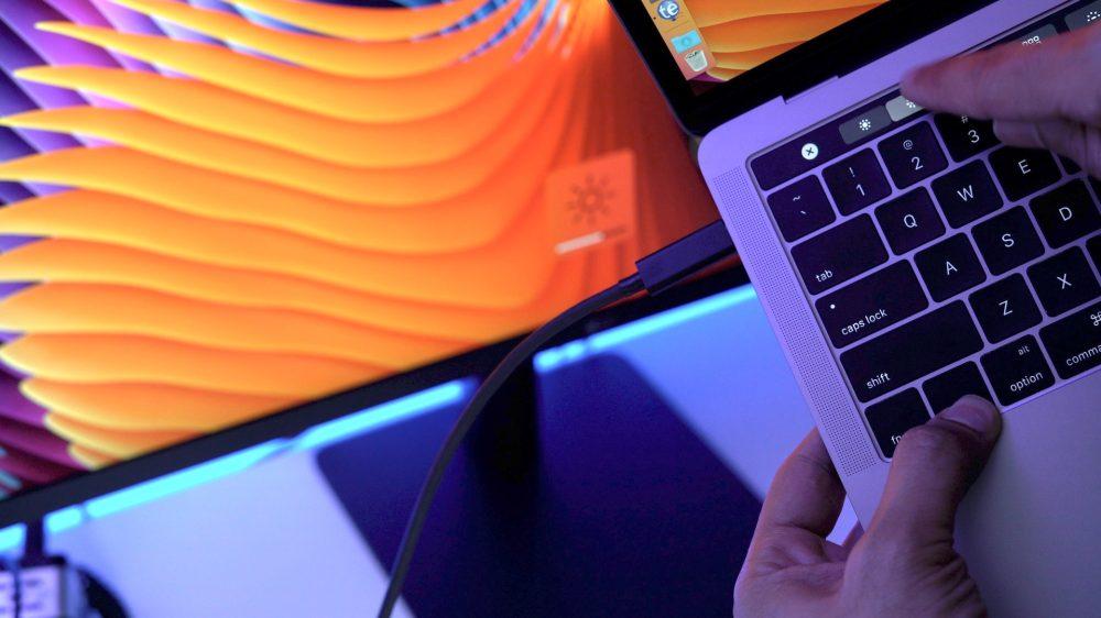 lg-ultrafine-display-brightness-adjust-macbook-pro-touch-bar