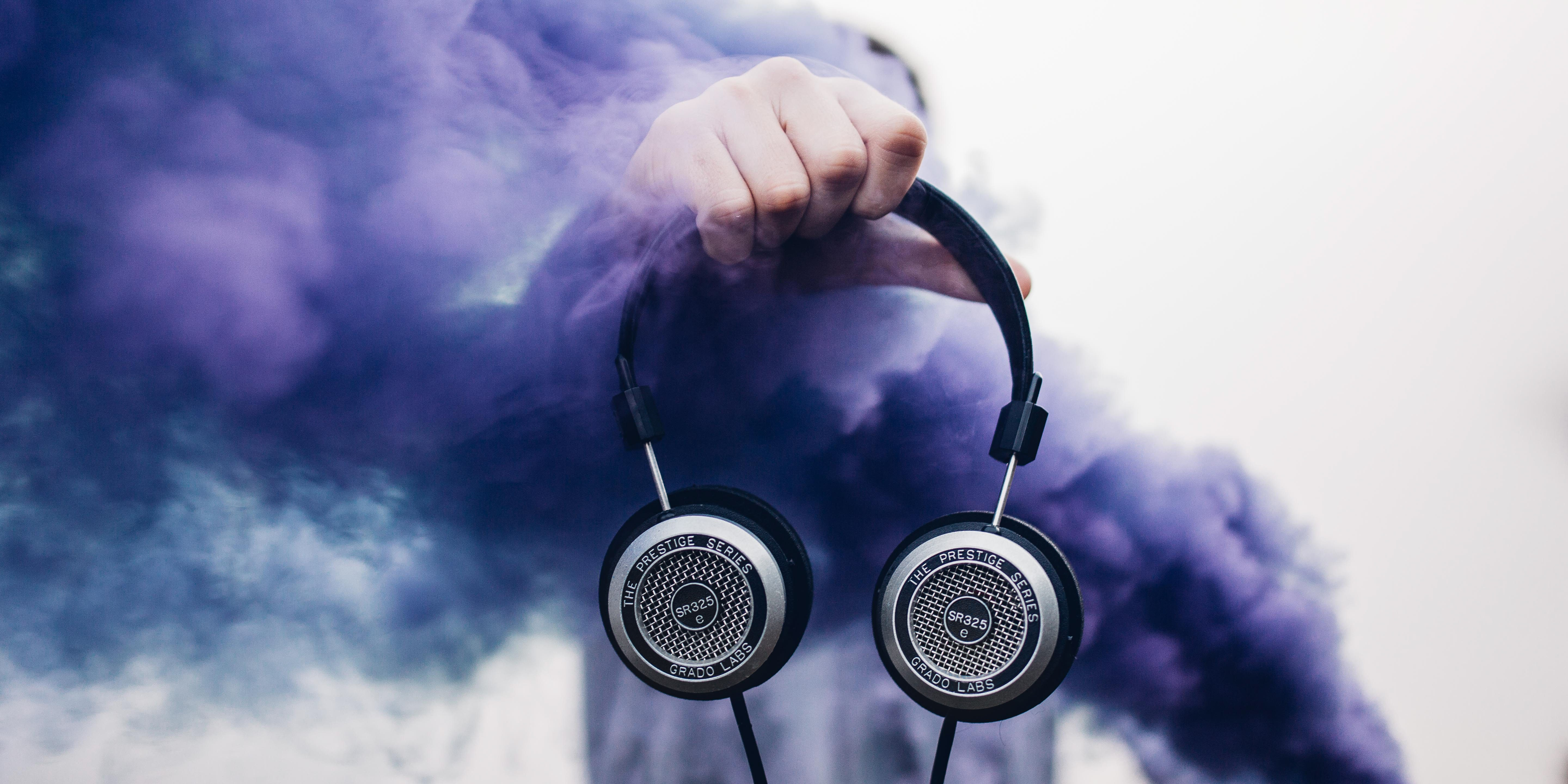 luke-cartwright-grado-sr325e-with-purple-smoke