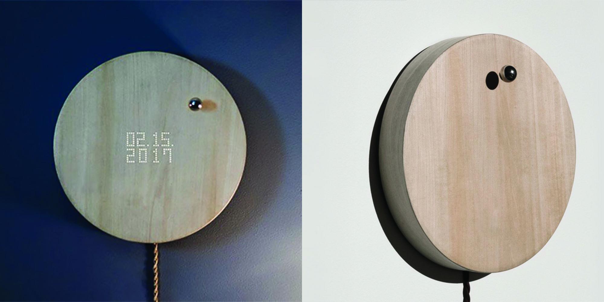 story-levitating-clock