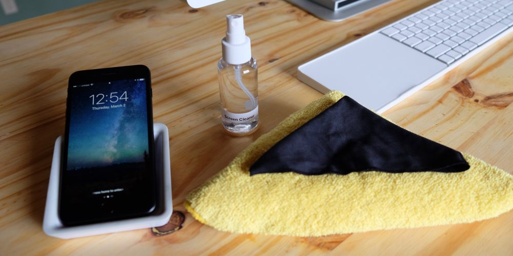 How to clean iPhones and iPads