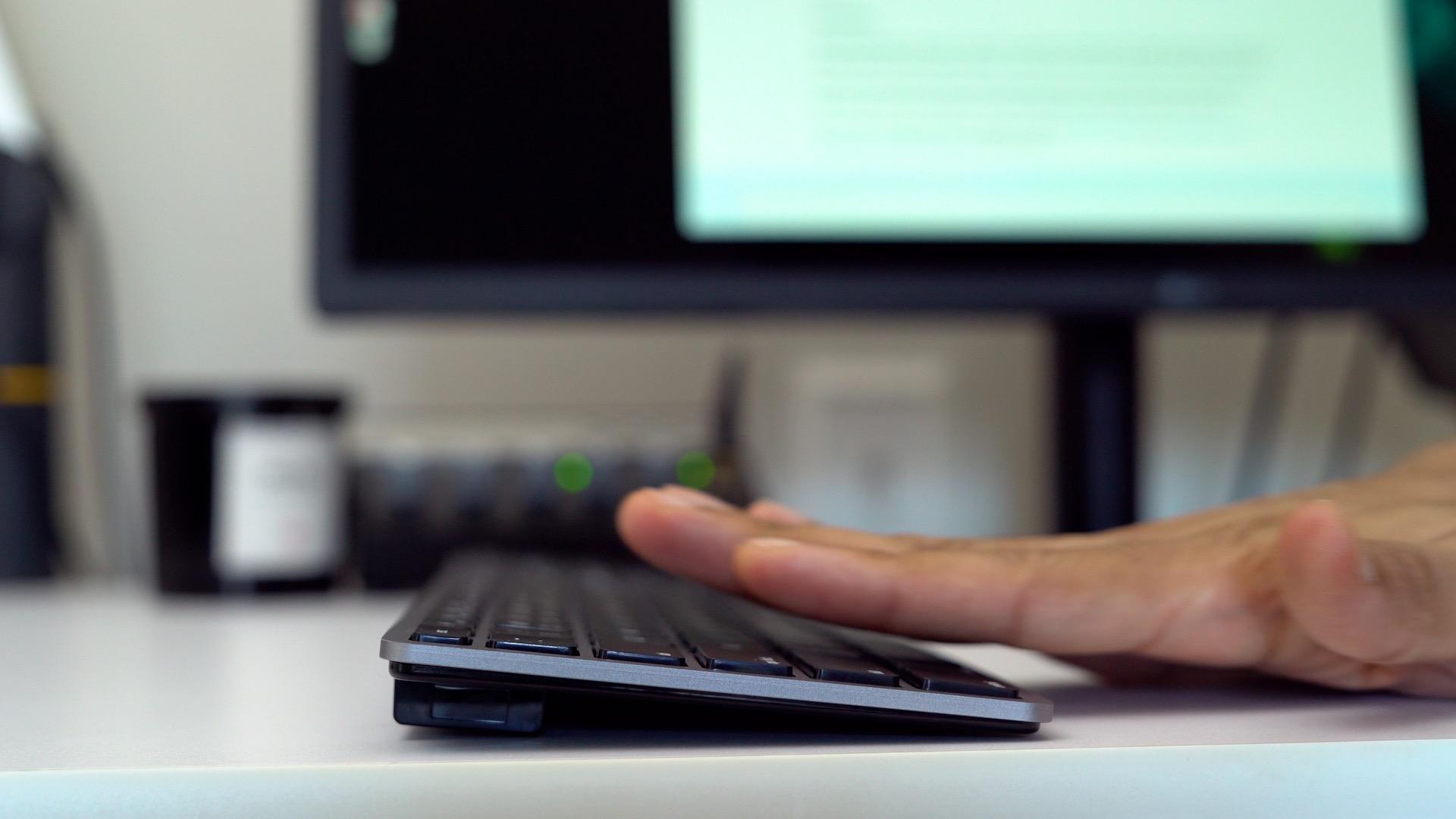 matias-keyboard-typing-angle