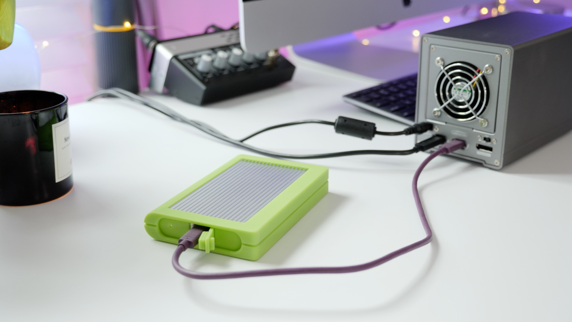 Daisy-chaining a USB 3.1 gen 2-enabled SSD