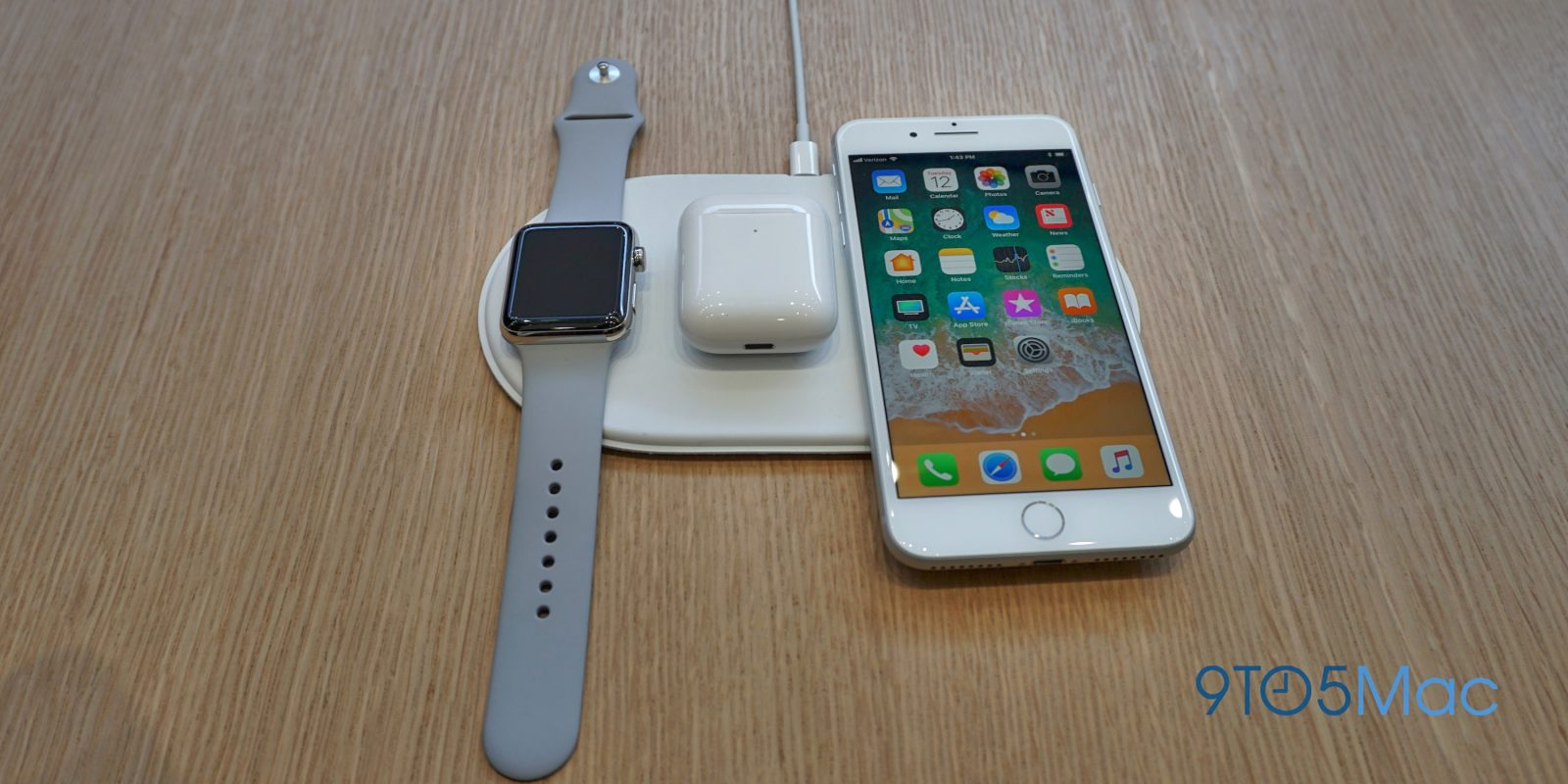 8052d586ad1 Bloomberg: Apple aims to launch AirPower mat by September, runs a 'stripped  down' version of iOS