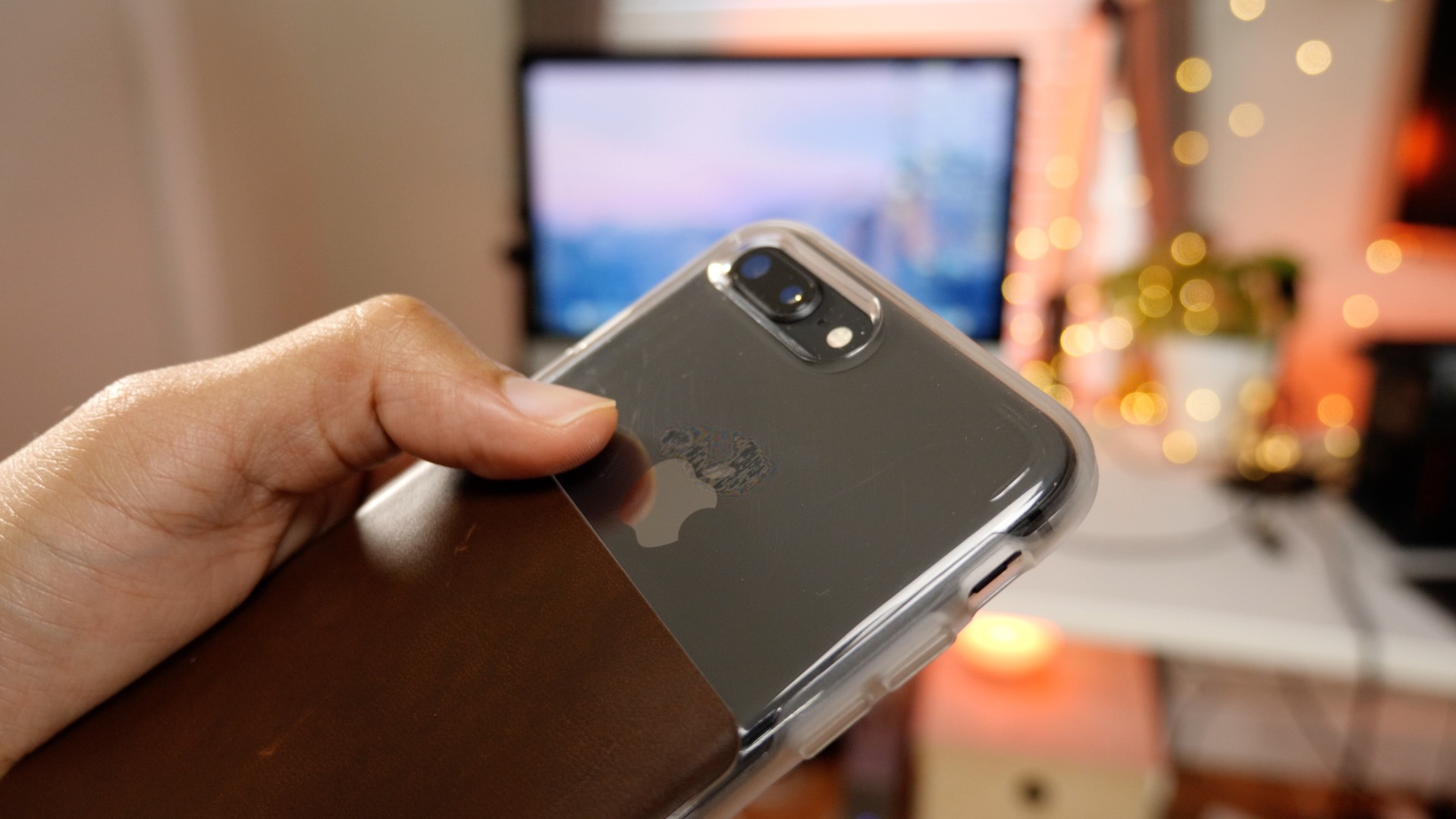 cheaper b075e 5af36 Hands-on: Nomad case options for iPhone 8 Plus [Video] - 9to5Mac