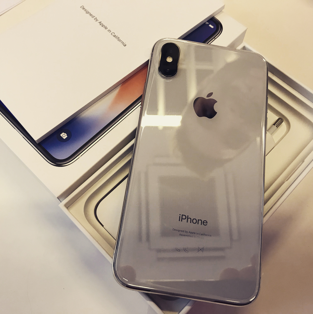 New video & images offer look at iPhone X packaging