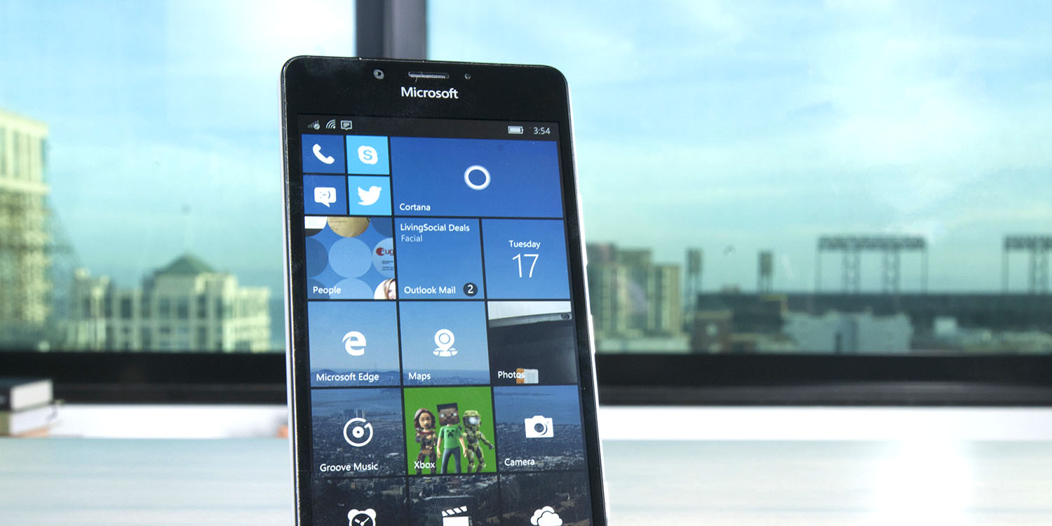 Microsoft tells users to switch to iOS or Android as Windows Phone set for obsolescence
