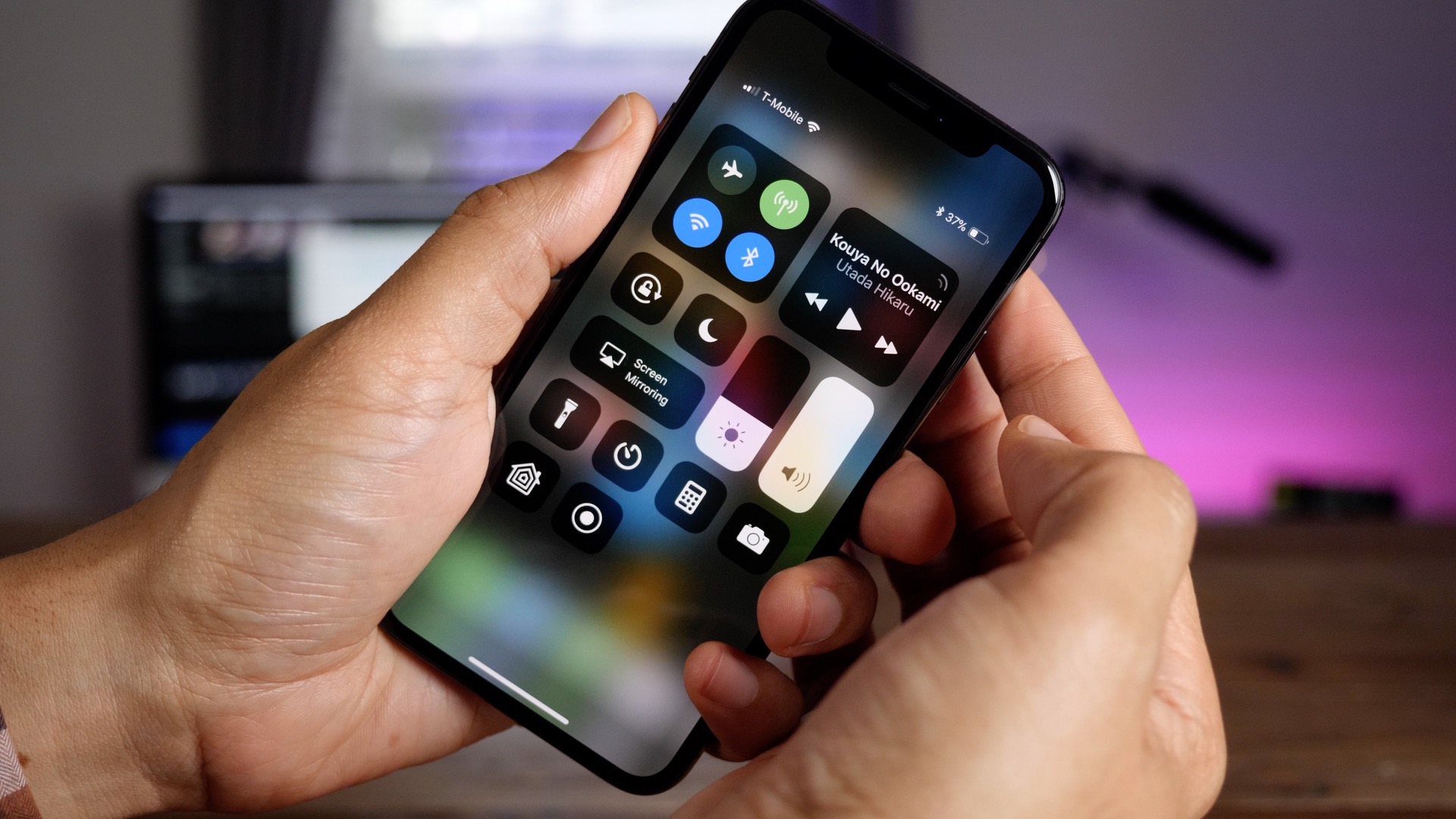 How To Navigate The Home Button Less Iphone X Using Gestures Video