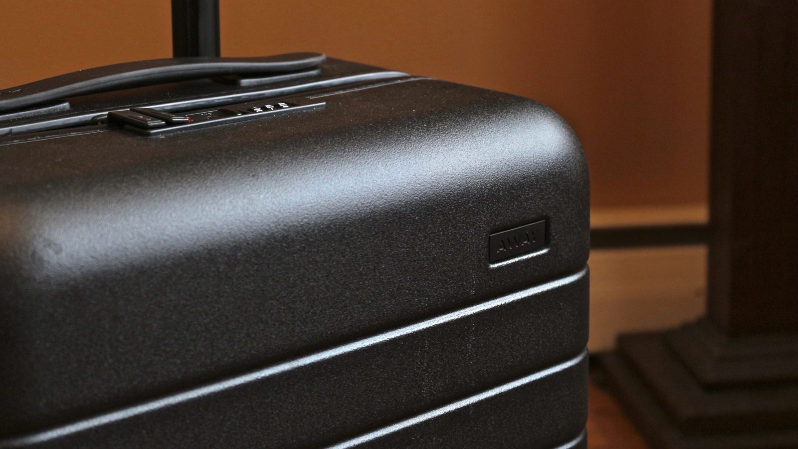 6080108eb4641 Review  Away s USB-powered Carry-On luggage helped me survive CES ...