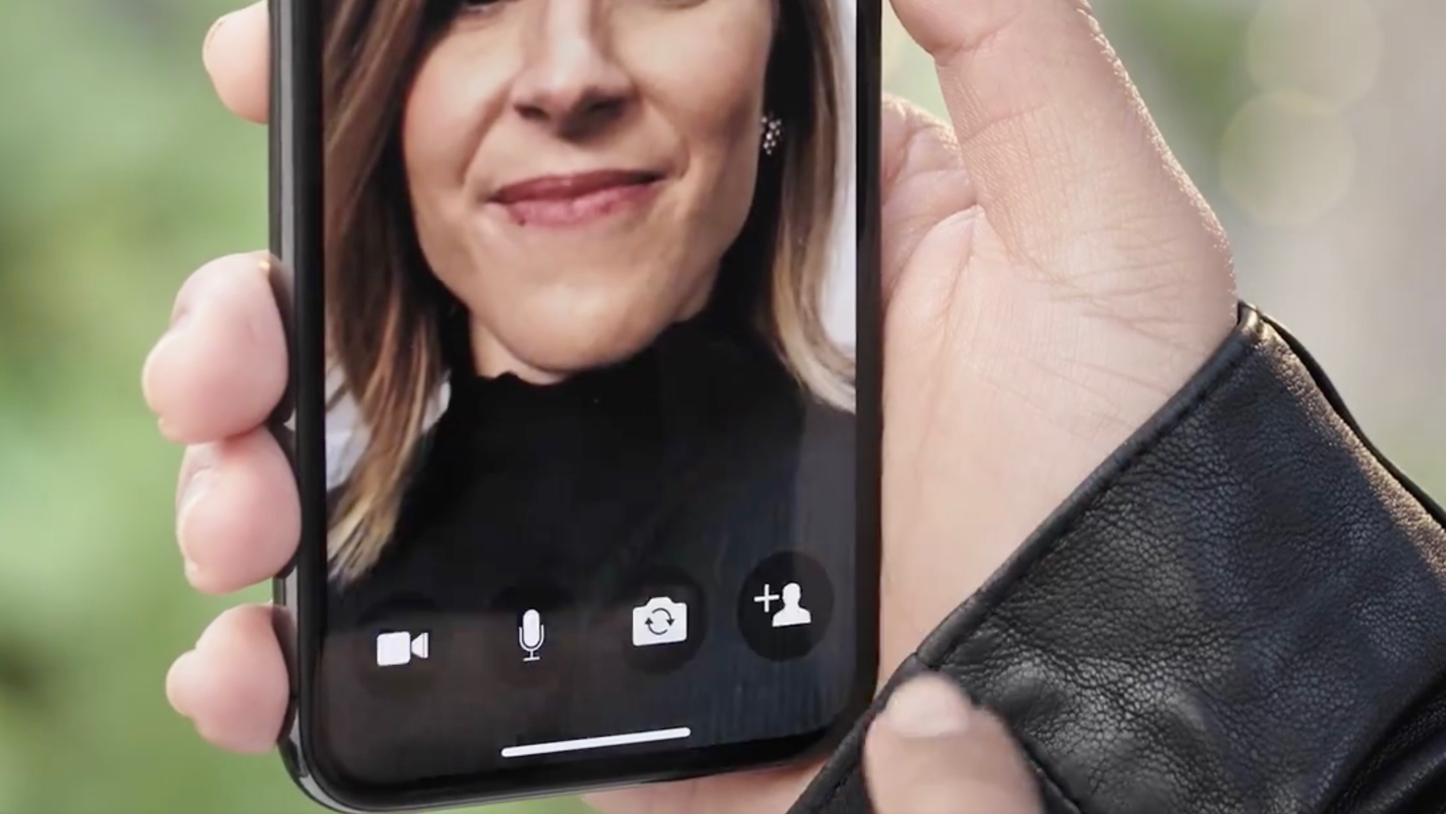 How to turn on video calling on facebook messenger