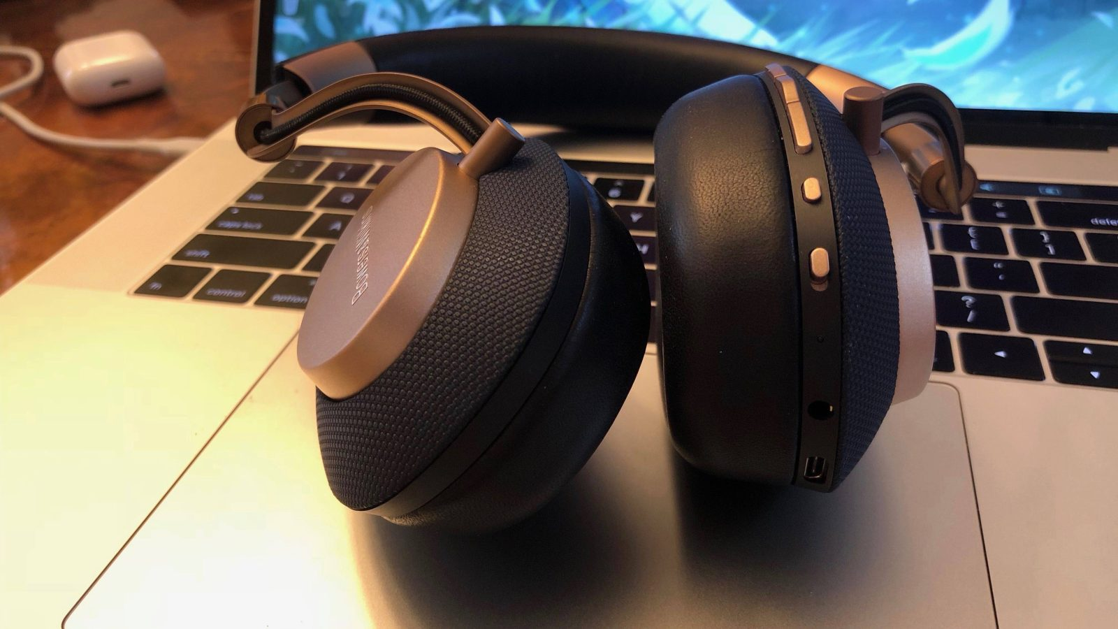 sale retailer 55a20 a01bf Review: Bowers & Wilkins PX offer superb sound quality w/ USB-C and ...