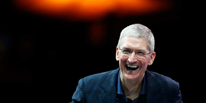 Apple averaged $1 billion in revenue per day in the holiday quarter