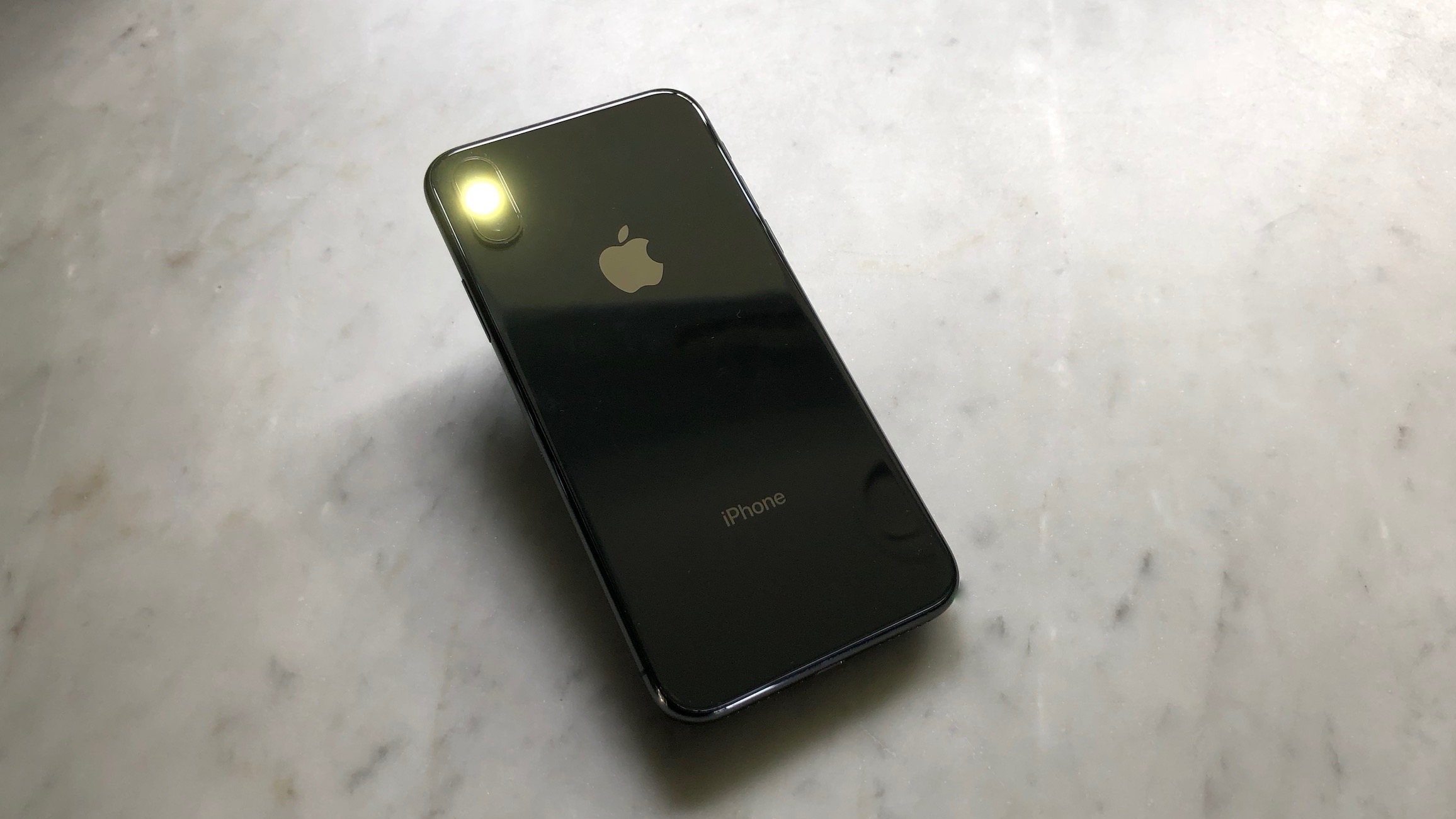 How to Turn on Flash When Calling on iPhone