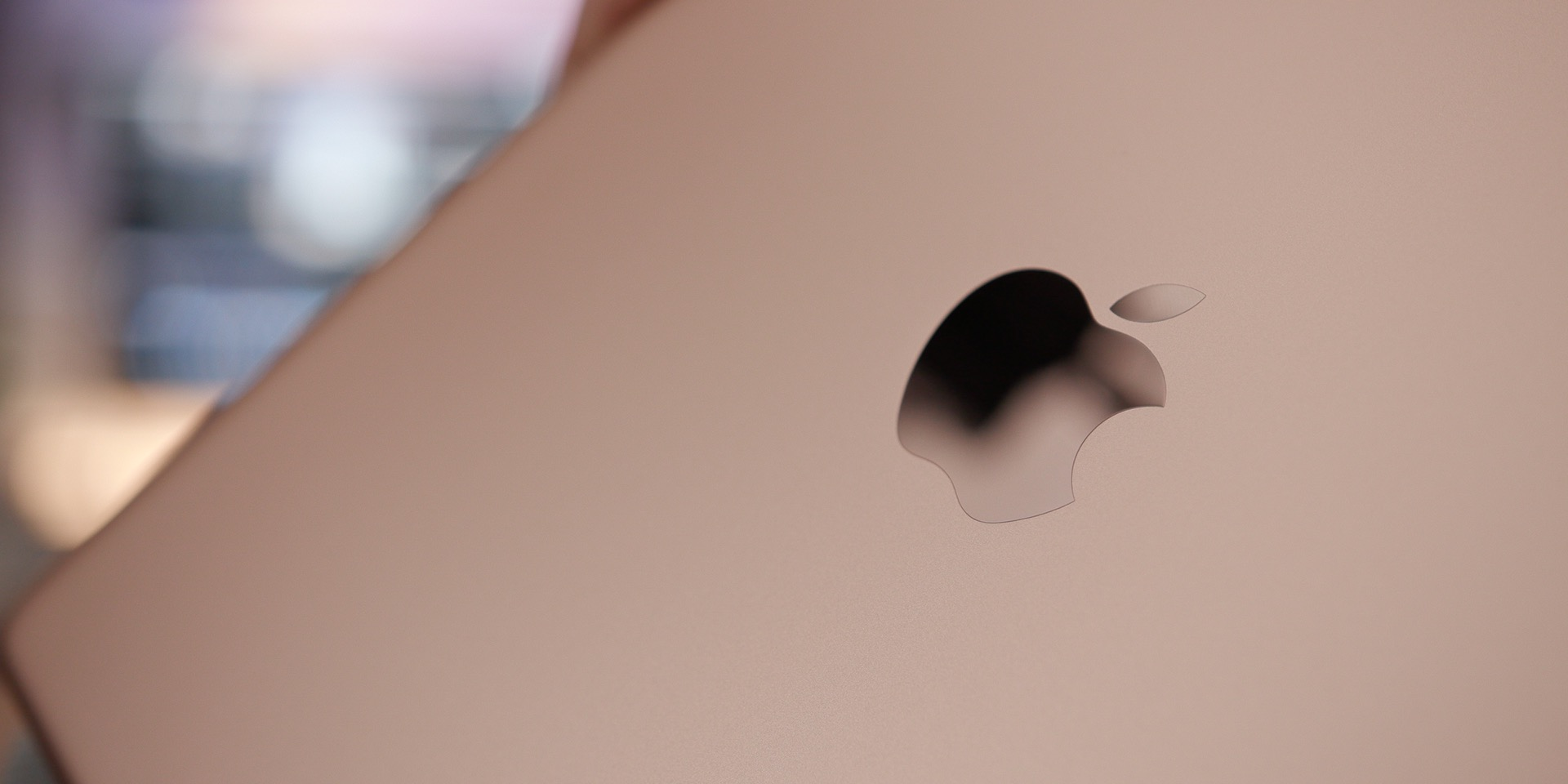 tablet shipments in q2 still declining despite apple s growth with ipad