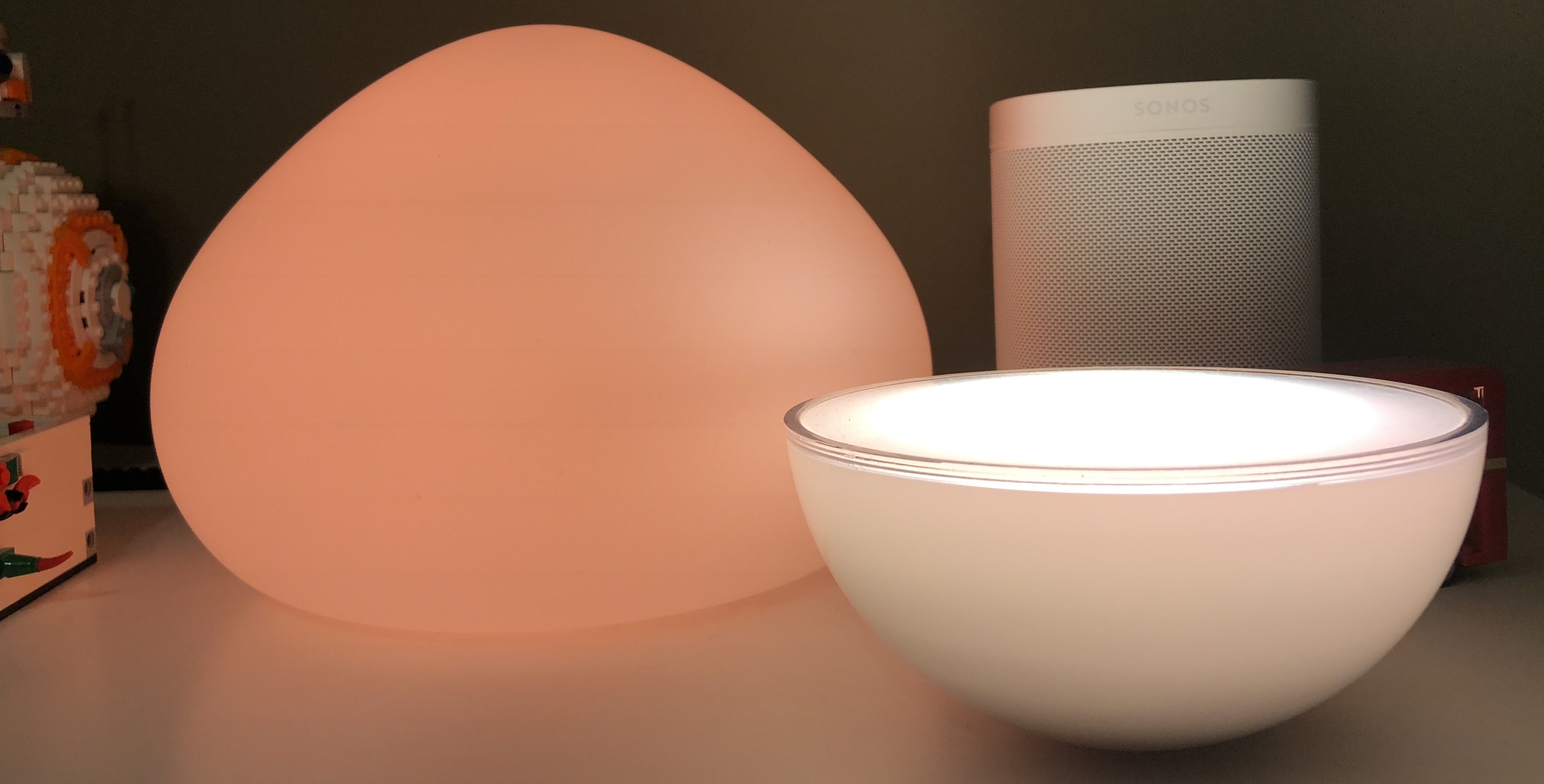 Philips Lampen Hue : Review philips hue wellner is a homekit table lamp with a fun