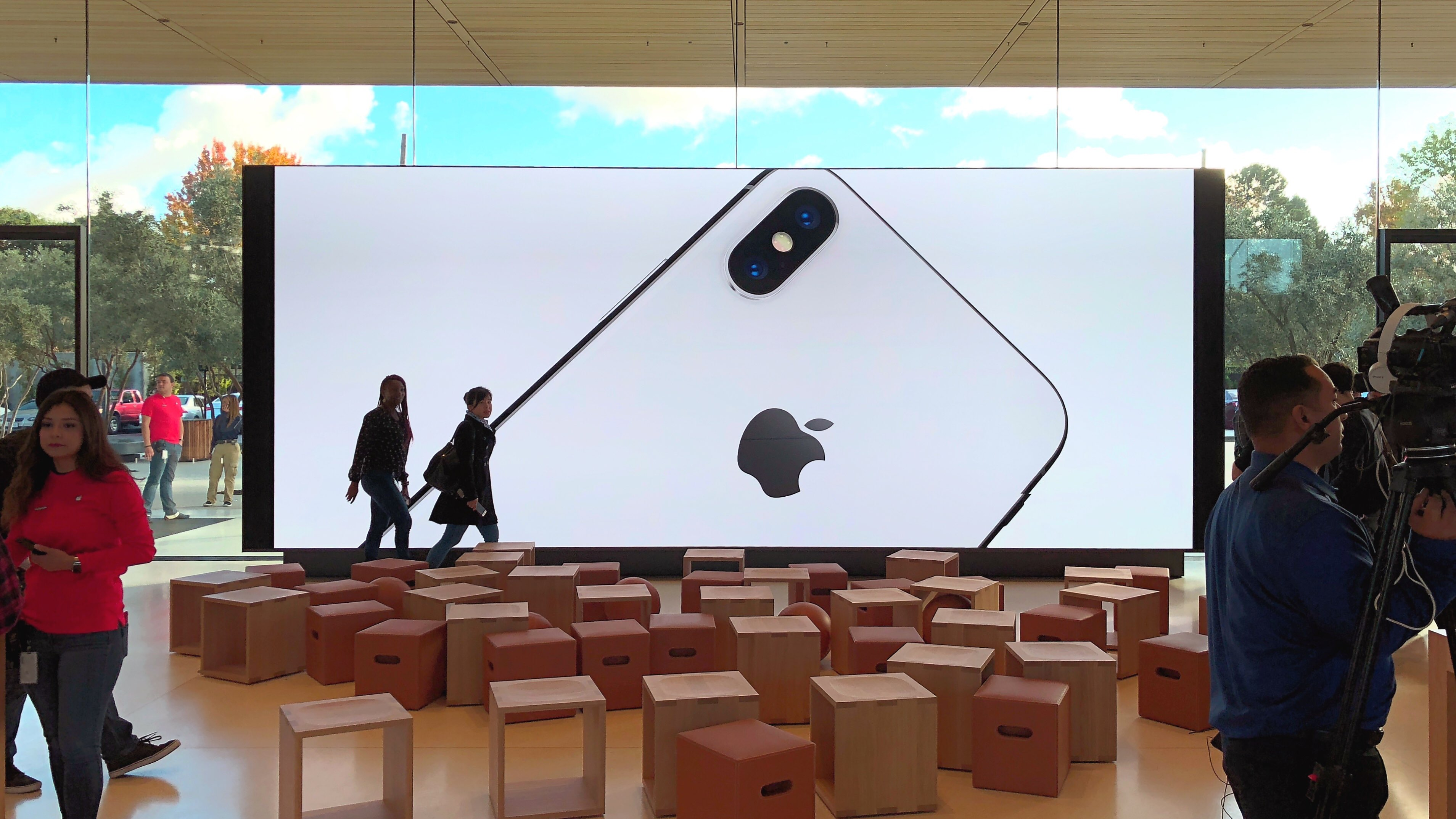 Apple says Trump tariffs would affect all product costs, require less US investment