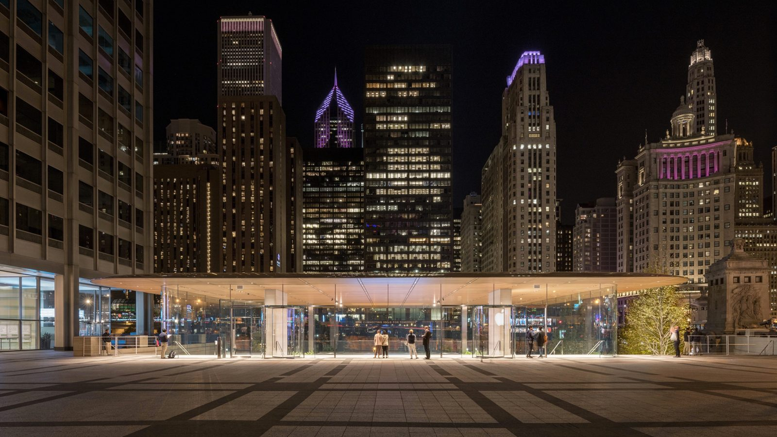 Apples michigan avenue store recognized for innovative lighting design at iald awards