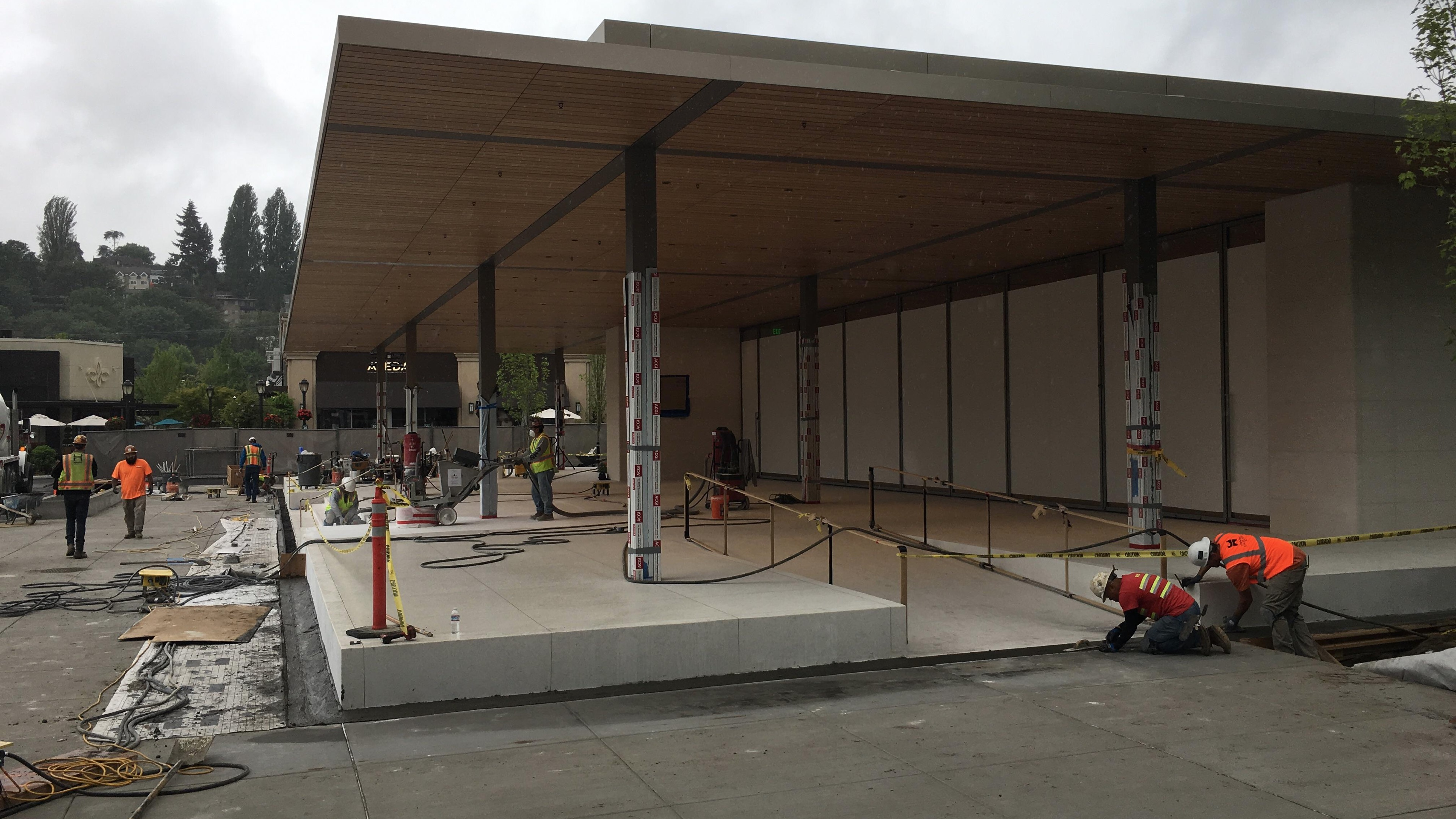 Photos and videos show impressive new Apple store in Seattle's University Village nearing completion [U]