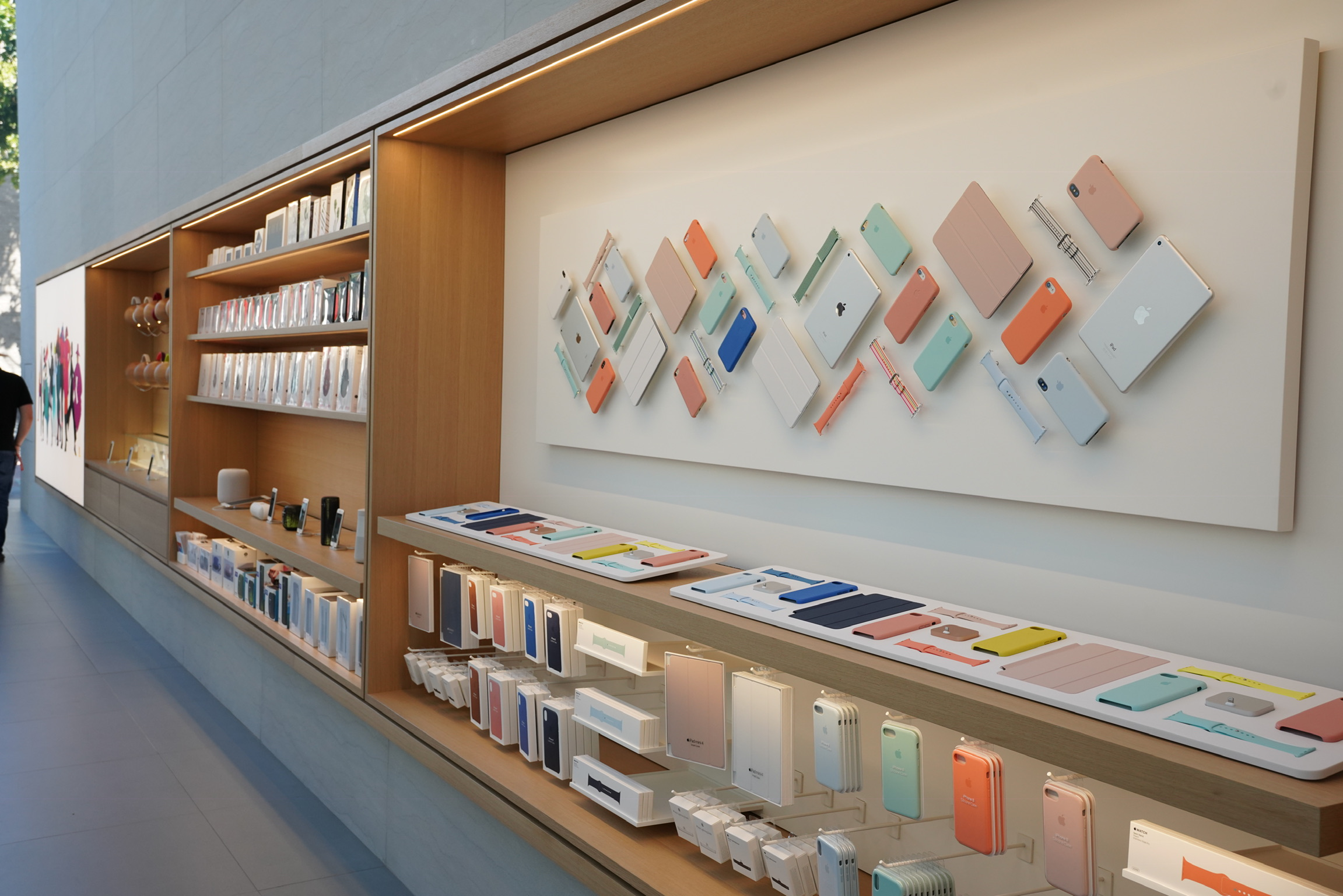 Gallery: Apple's renovated Palo Alto store blends latest retail