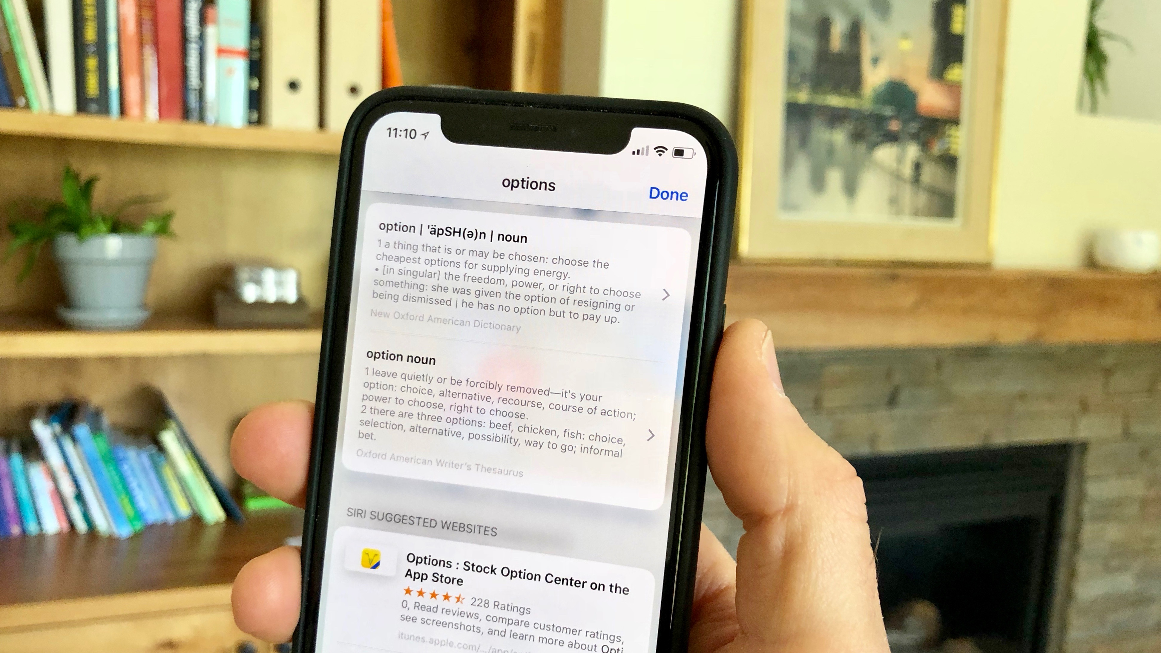 iPhone & iPad: How to enable the new thesaurus in iOS 12