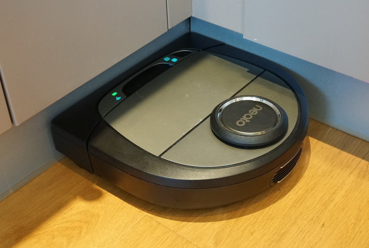 Review The Neato Botvac D7 Connected Robot Vacuum Cleaner