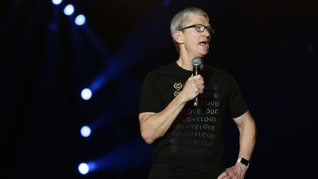 Tim Cook shares message of hope with LGBTQ+ youth at Loveloud 2018