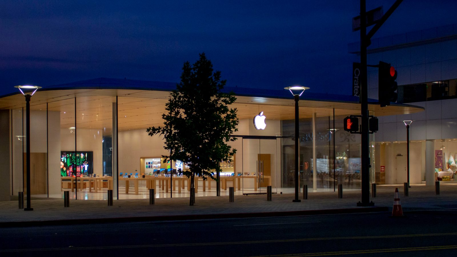 Gallery: Details from Apple Broadway Plaza's Grand Opening in Walnut Creek, CA