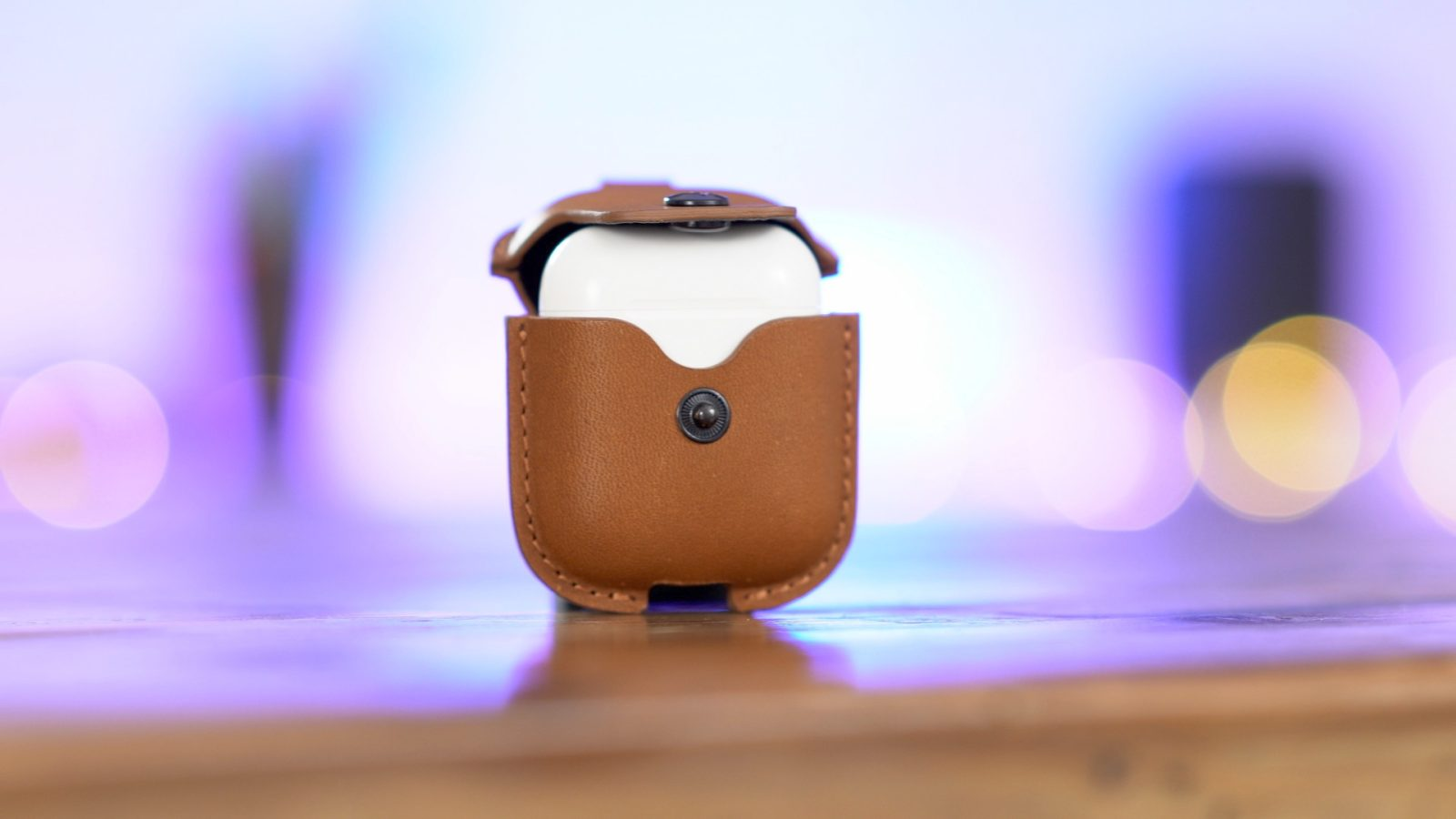 Hands-on: AirSnap Leather Case for AirPods [Video]