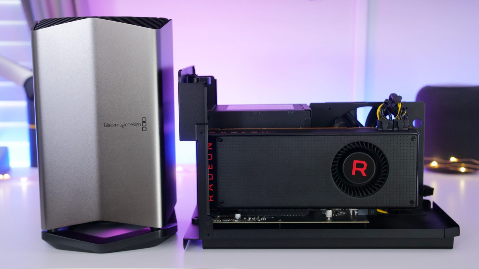 Compared: Razer Core X with RX Vega 64 vs Blackmagic eGPU