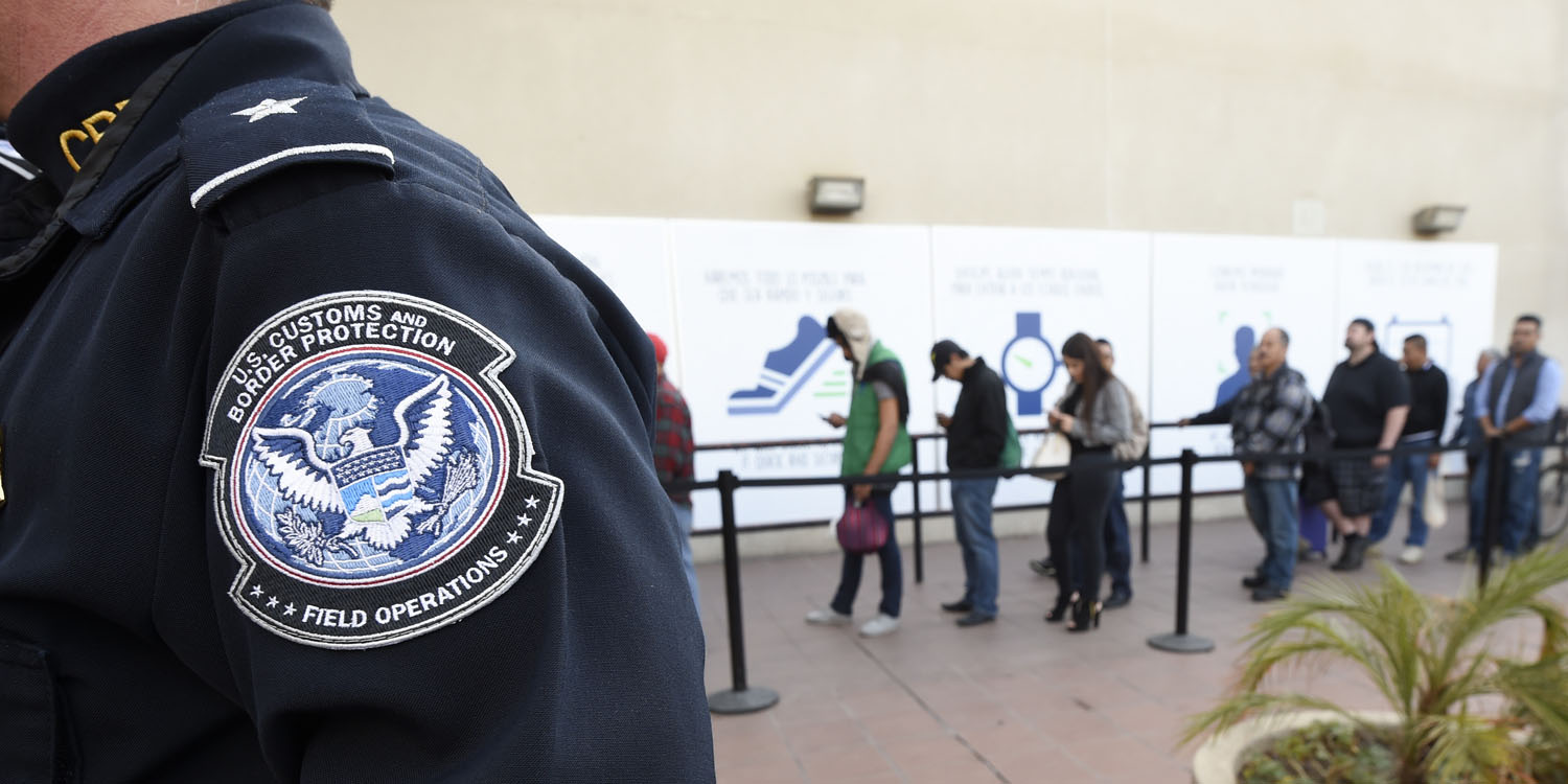 American traveler sues US Customs and Border Protection over iPhone search & seizure