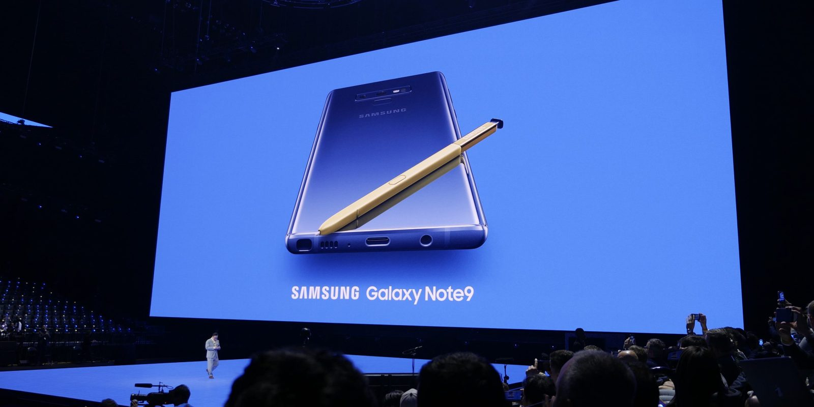 photo image Samsung unveils 6.4-inch Galaxy Note 9, new Apple Watch and HomePod competitors