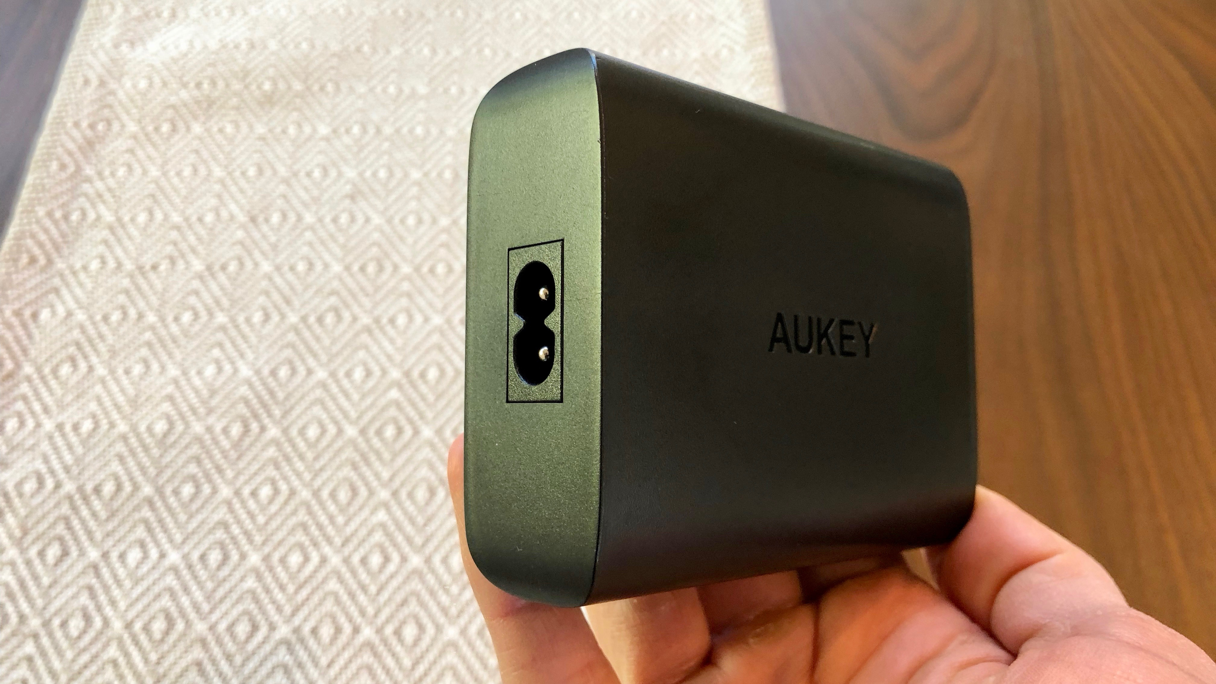 Hands-on: Is a 60W charger good enough for all MacBook Pro