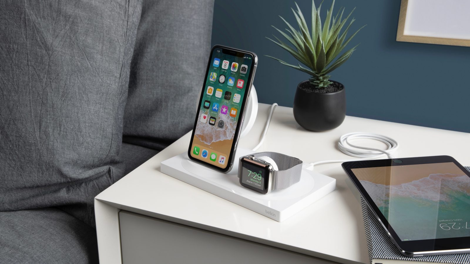 best website 4679c f010e Belkin unveils BOOST UP Wireless Charging Dock for iPhone + Apple ...