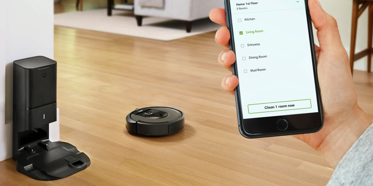 IRoomba's Latest Robot Vacuum Cleaner Can Empty Itself, for an Entire Month