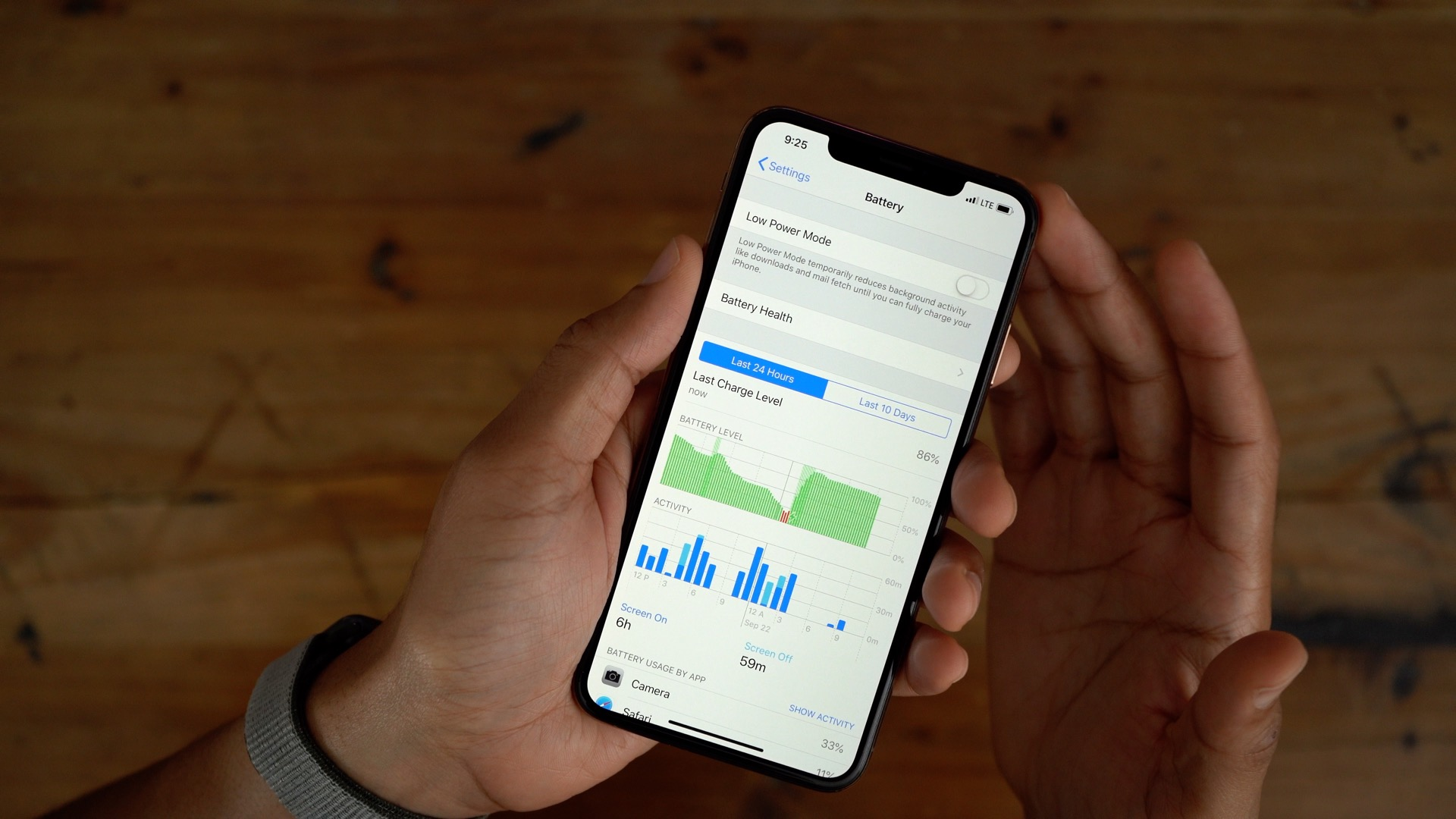 iphone xs max battery life crushed by samsung note 9 galaxy in test
