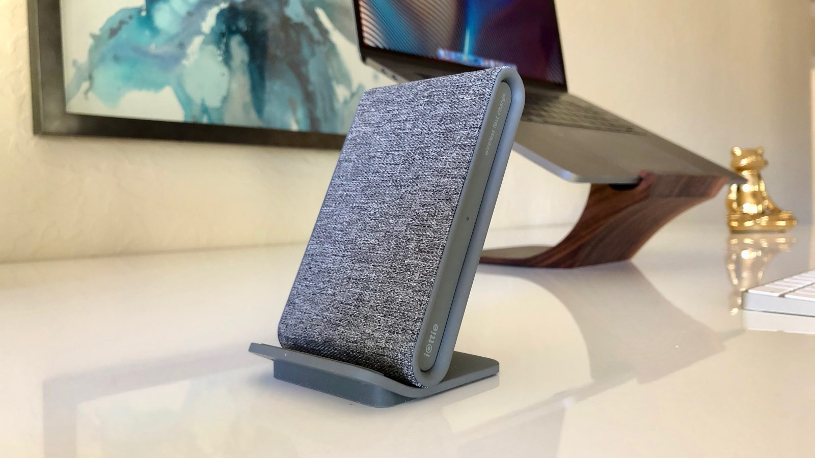 Review: iOttie iON Wireless Stand Charger offers good looks, upright iPhone charging options