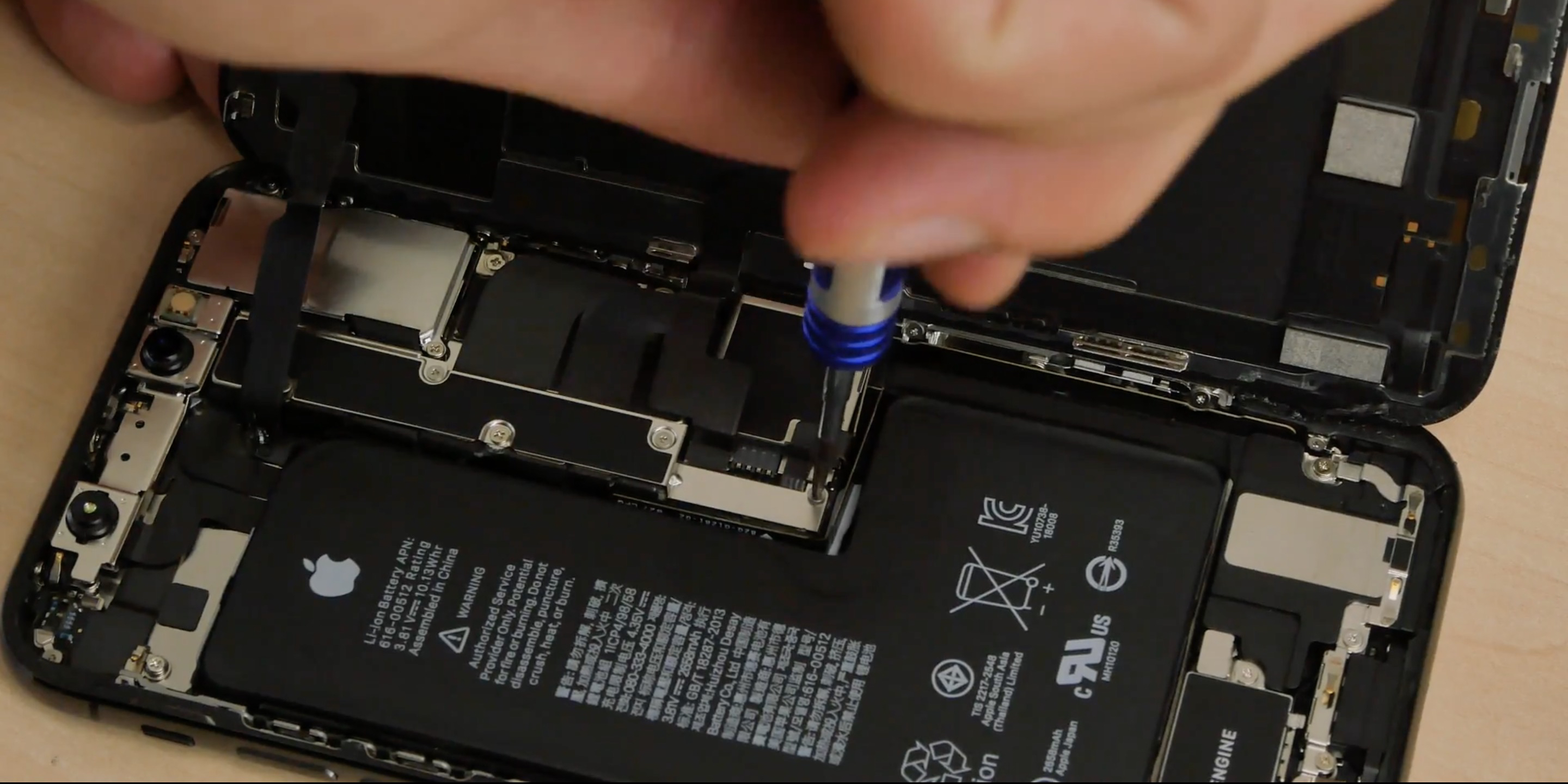 first iphone xs teardown reveals more watertight seals new single package l shaped battery inside video