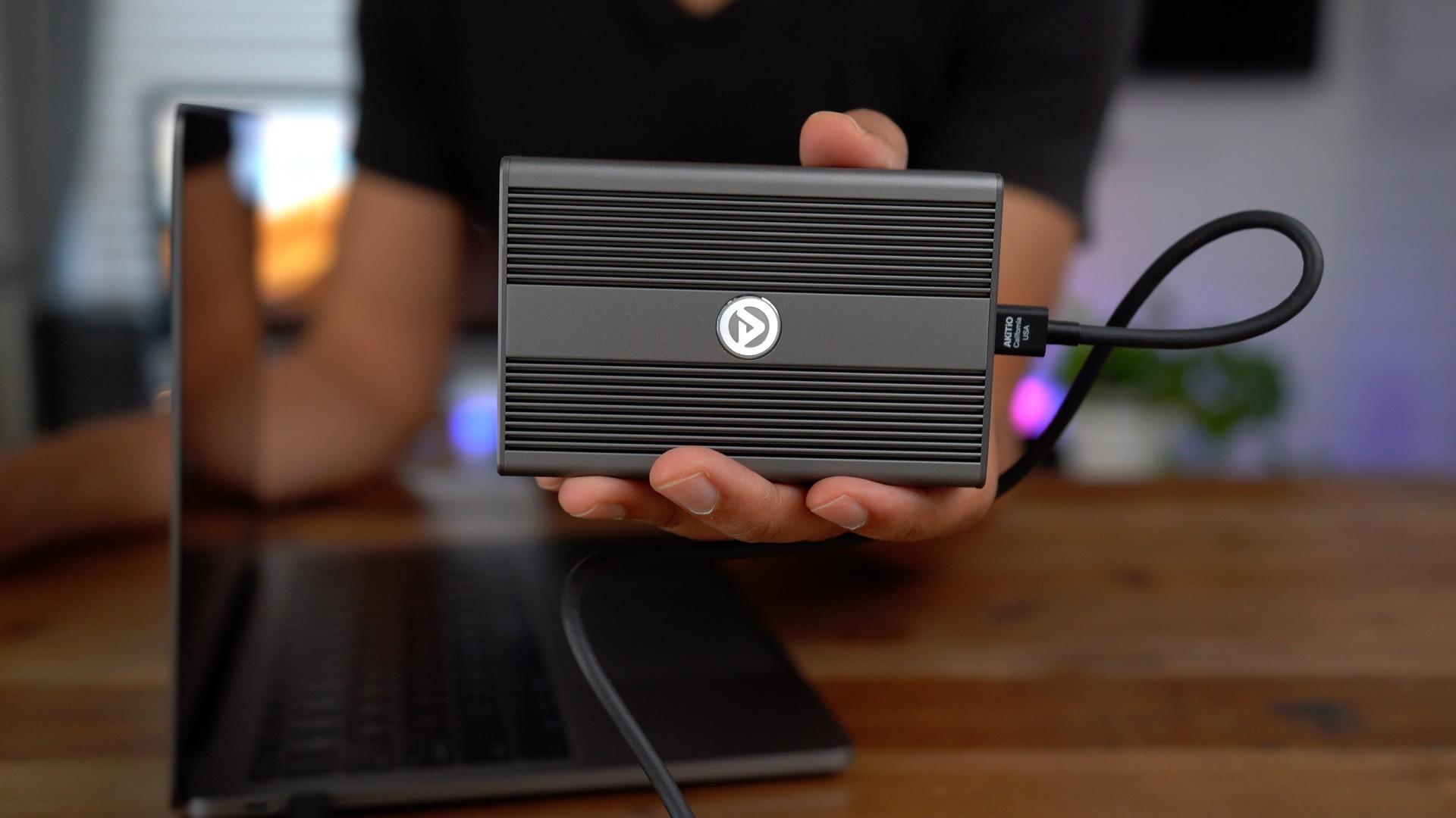Review: Akitio's 10 Gigabit Thunderbolt 3 Ethernet adapter