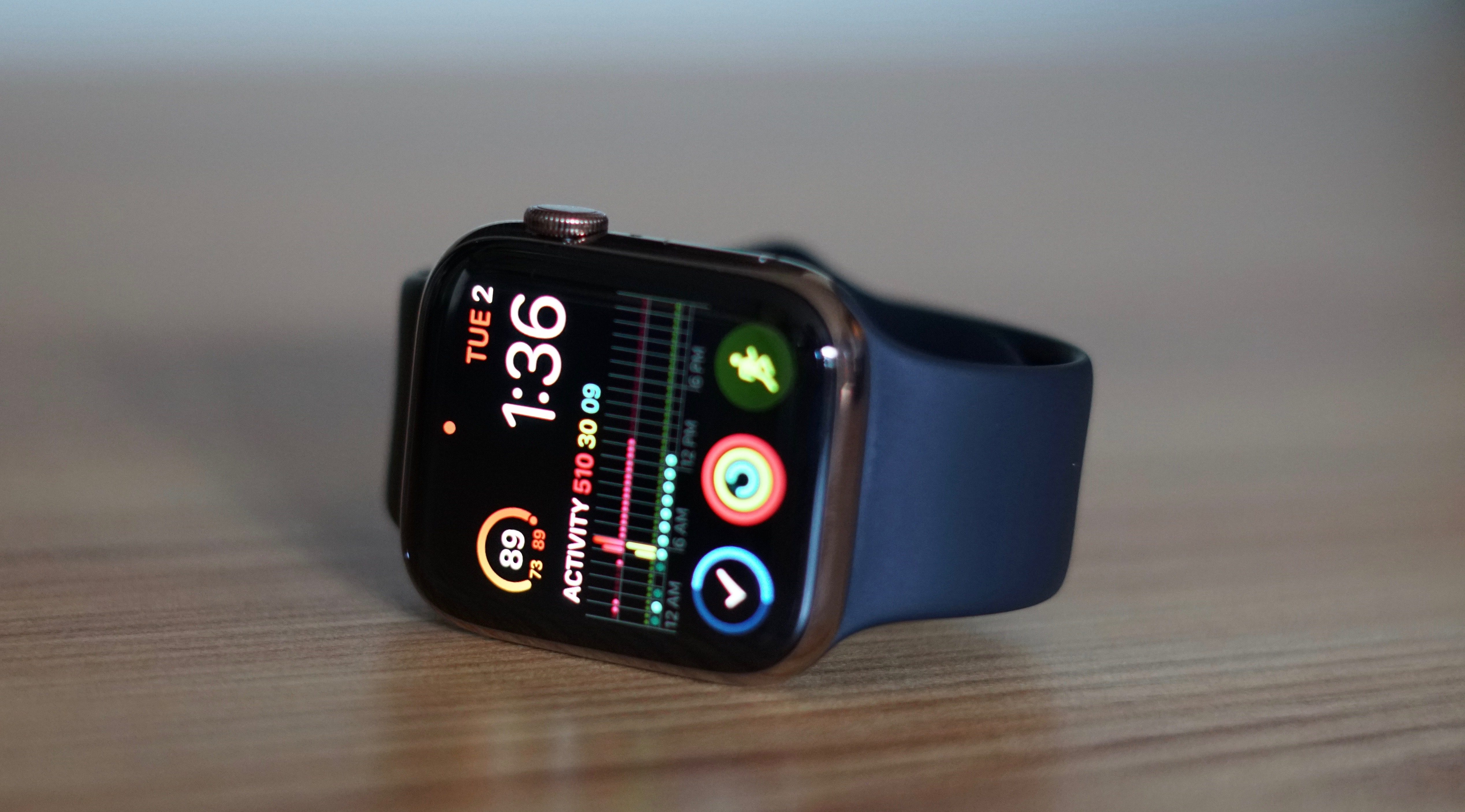 Apple Watch Series 4 DST bug may not be fixed as clocks roll back in Europe