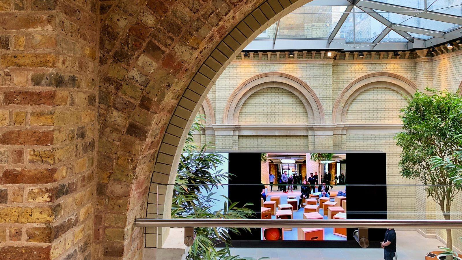 Awesome Photos Apple Covent Garden Returns With New Forum Full Inzonedesignstudio Interior Chair Design Inzonedesignstudiocom