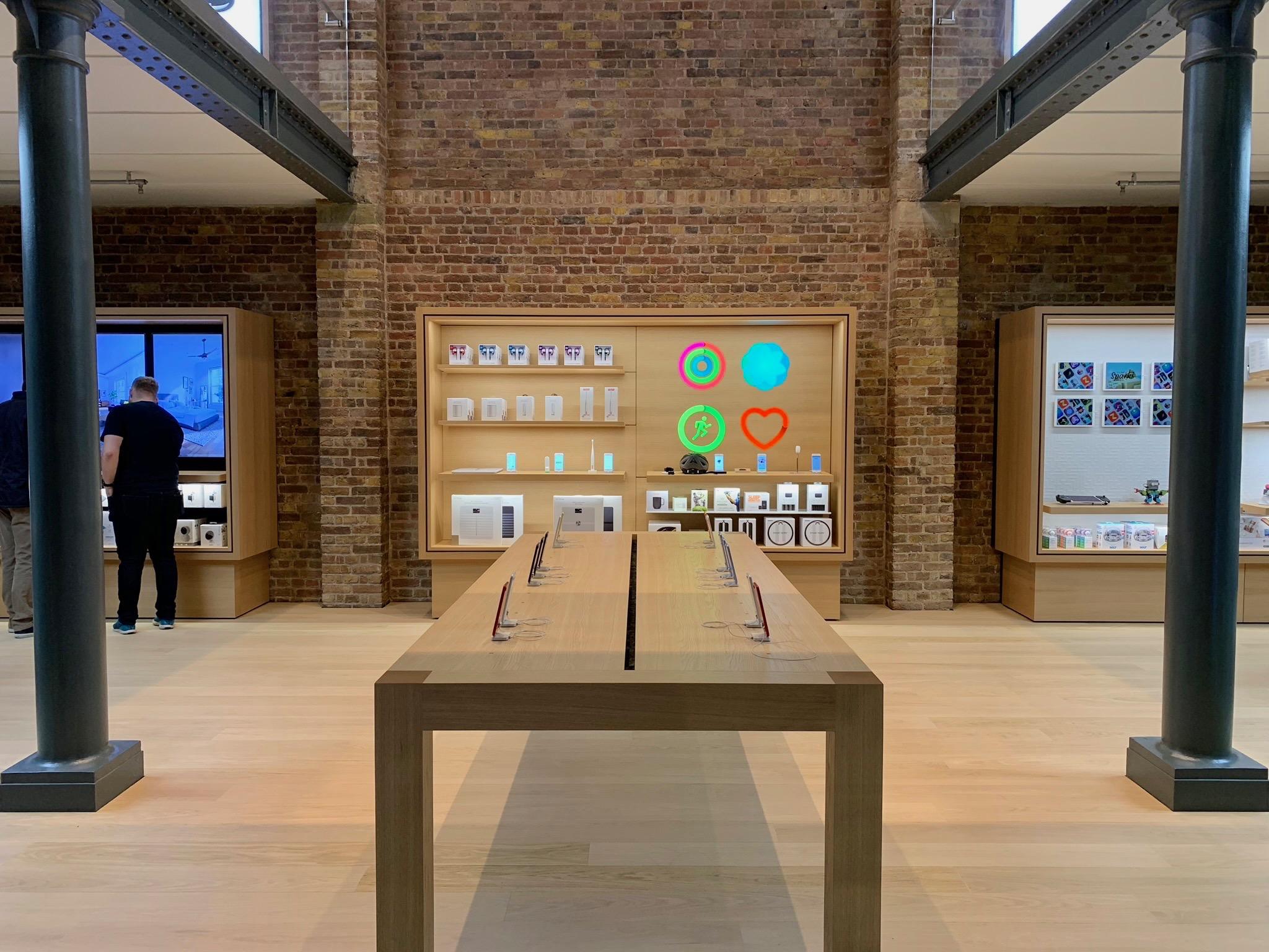 Superb Photos Apple Covent Garden Returns With New Forum Full Inzonedesignstudio Interior Chair Design Inzonedesignstudiocom