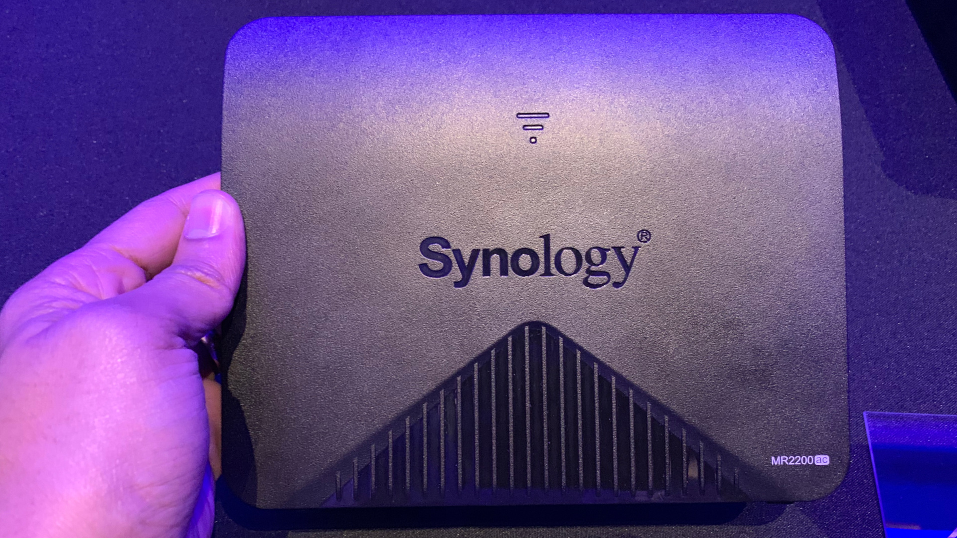 Synology unveils new $140 MR2200ac mesh router with quad-core CPU