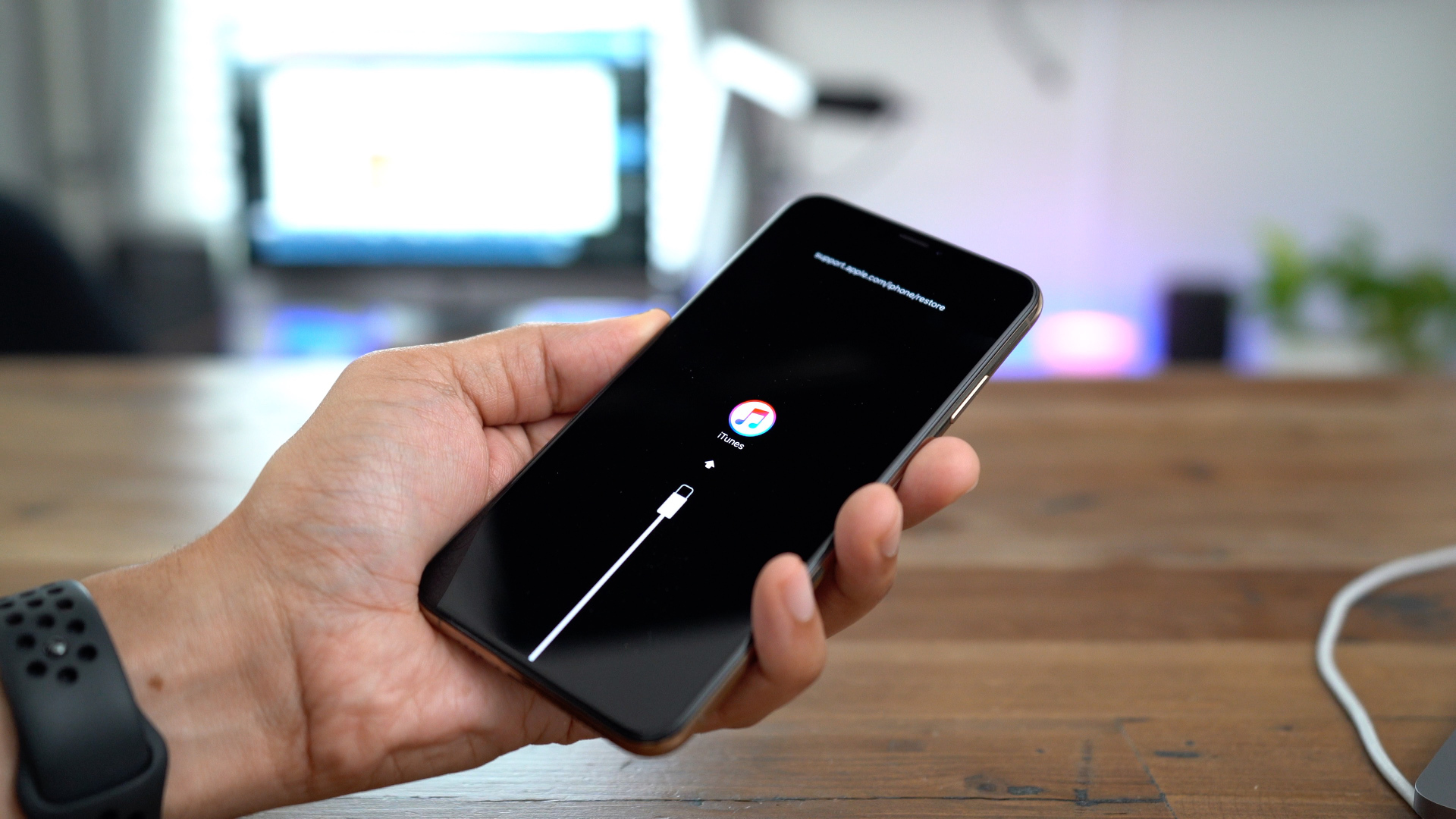 iPhone XS/XR: Force reset, DFU mode, SOS, and more - 9to5Mac