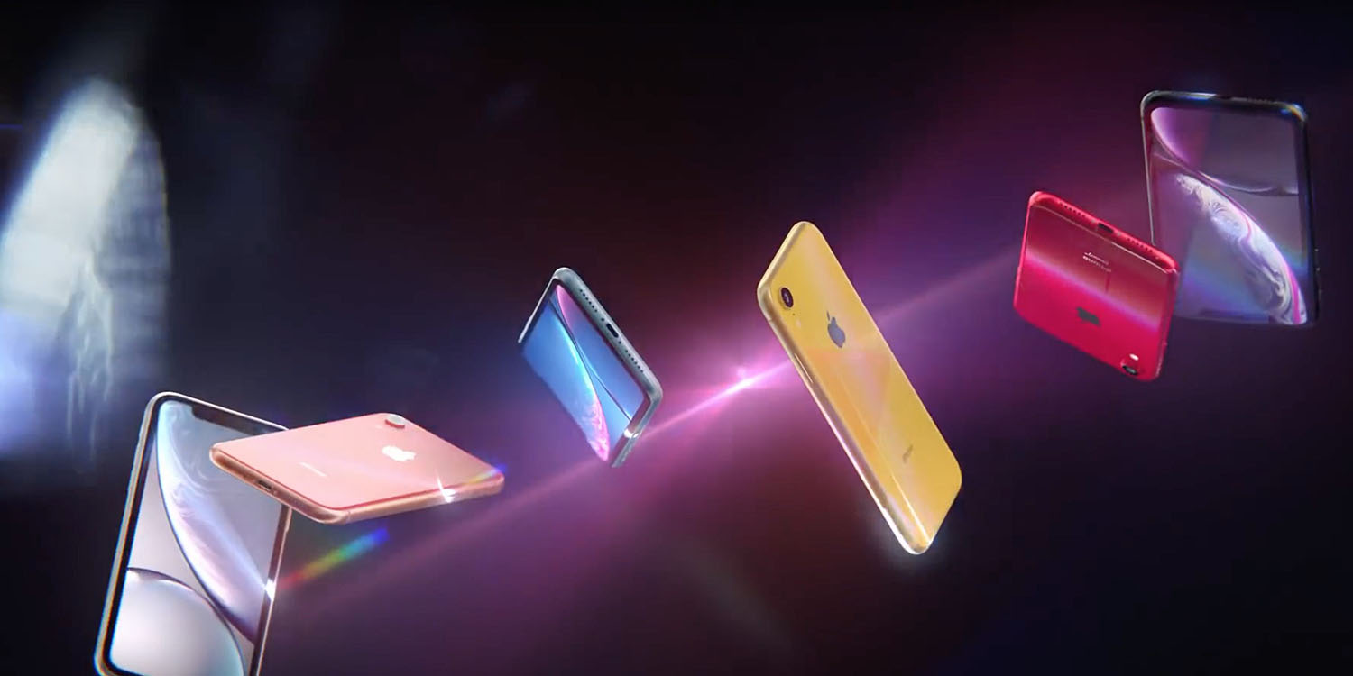 two iphone xr videos go live on apple s youtube channel after pre orders open