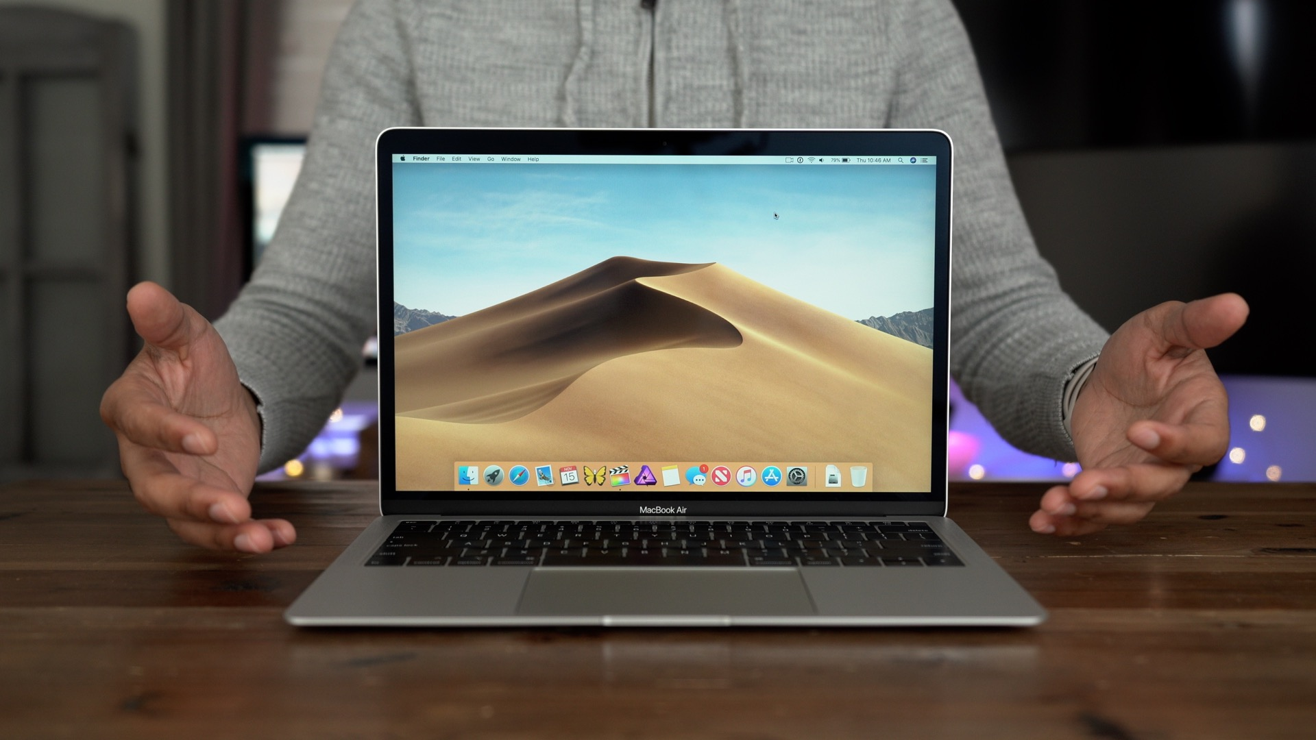 Review: 2018 MacBook Air with Retina display - mainstream Mac [Video