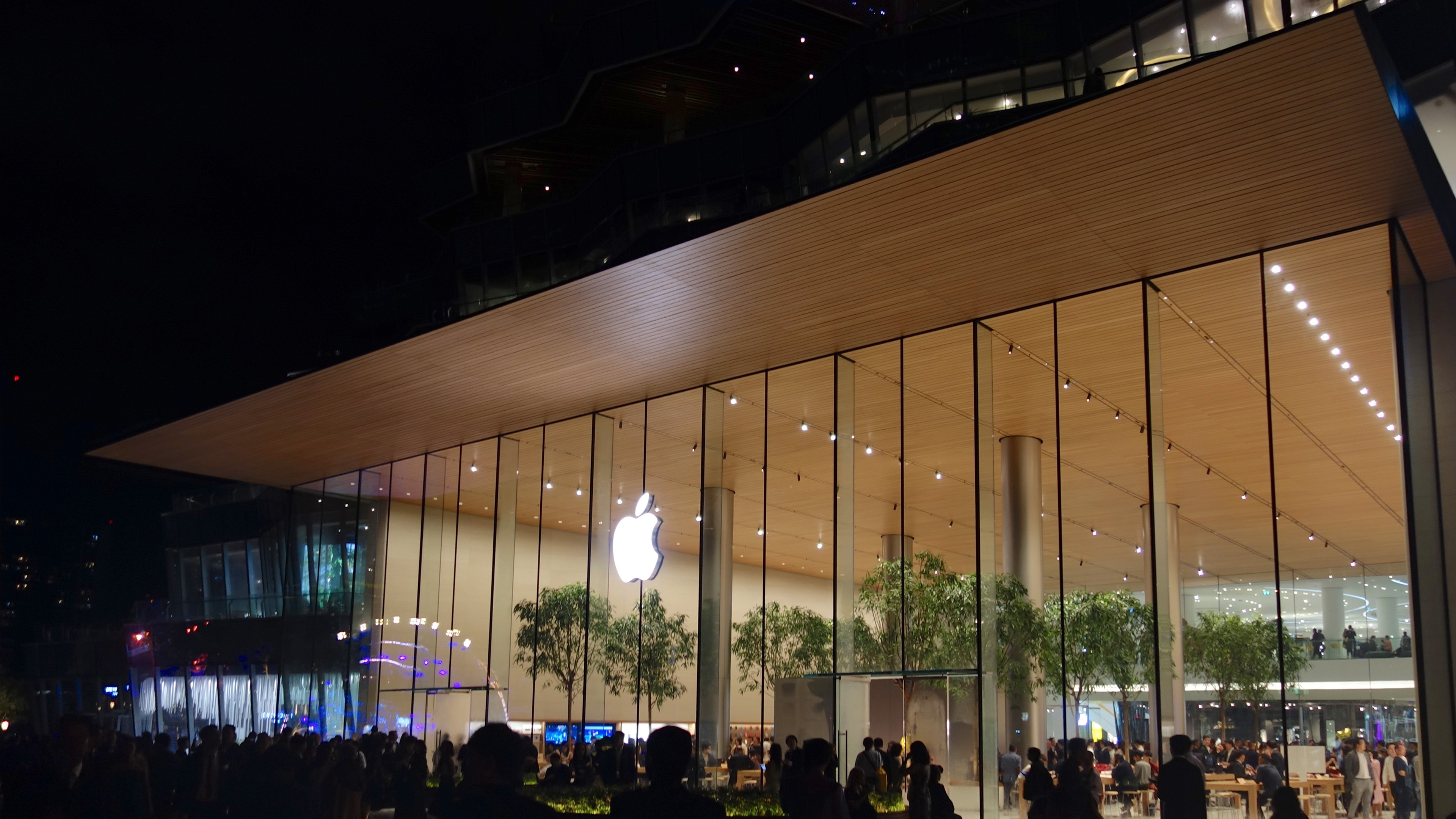 Photos: Apple's first store in Thailand celebrates grand opening